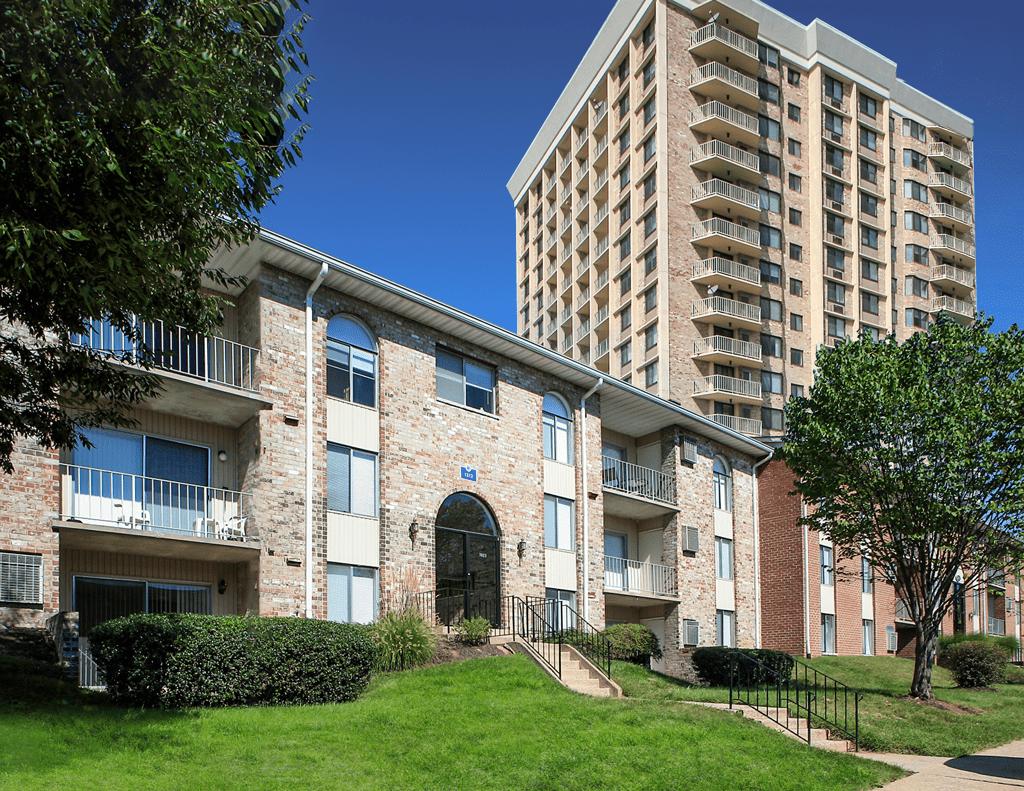 TowsonTown Place Apartments image 0