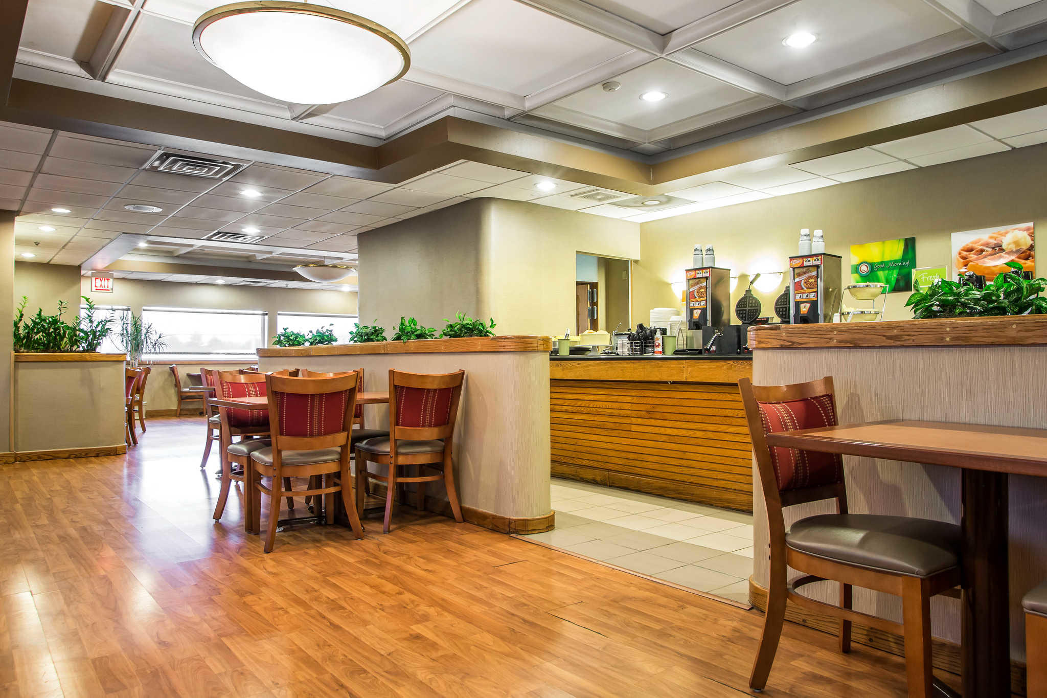 Quality Inn Midway Airport image 21