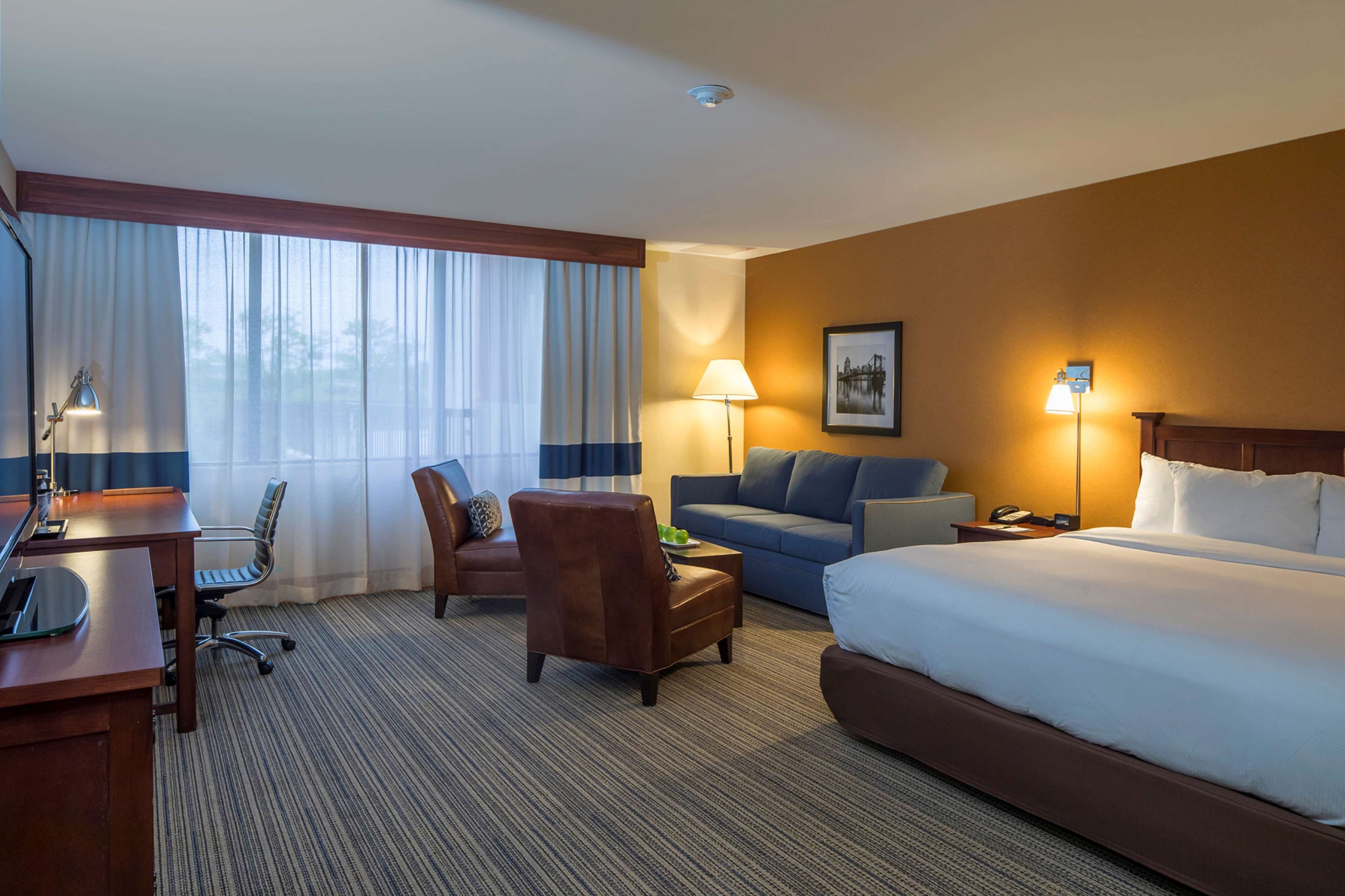 DoubleTree by Hilton Hotel Pittsburgh - Cranberry image 25