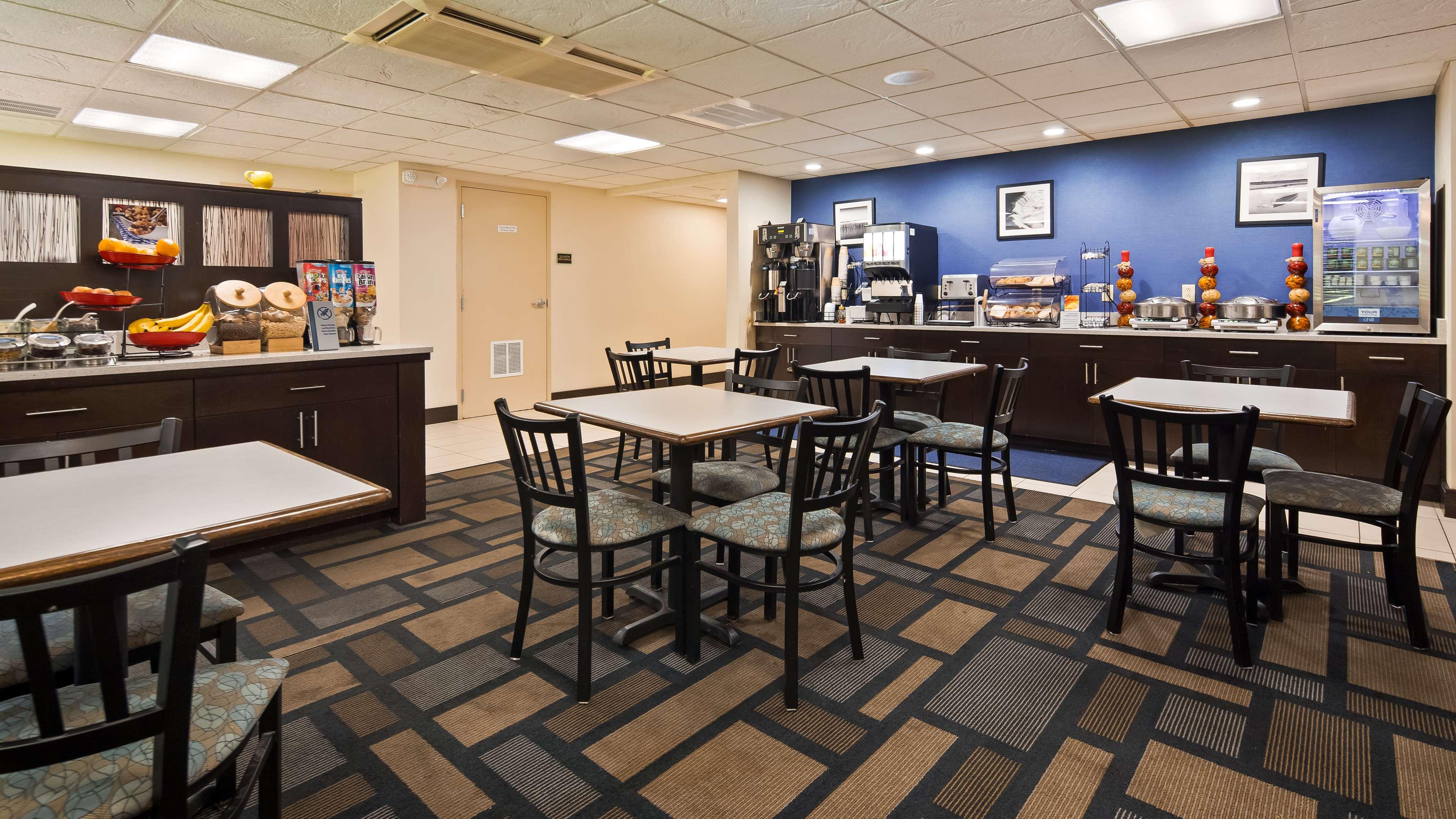 Best Western Plus Berkshire Hills Inn & Suites image 8