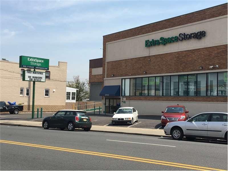 Extra Space Storage 7020 Kennedy Blvd North Bergen, NJ  Warehouses Merchandise U0026 Self Storage   MapQuest