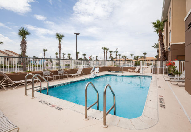 Fairfield Inn & Suites by Marriott Jacksonville Beach image 8