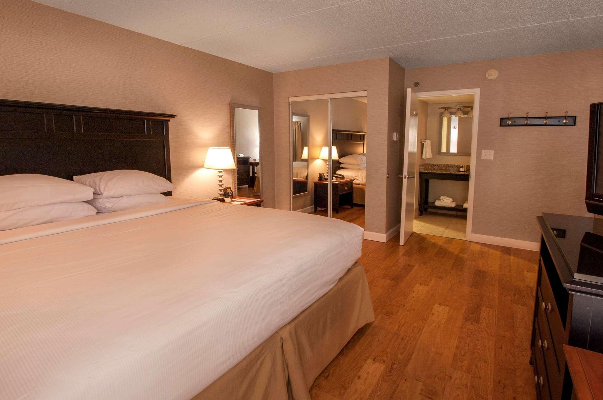 DoubleTree by Hilton Hotel Buffalo - Amherst image 12