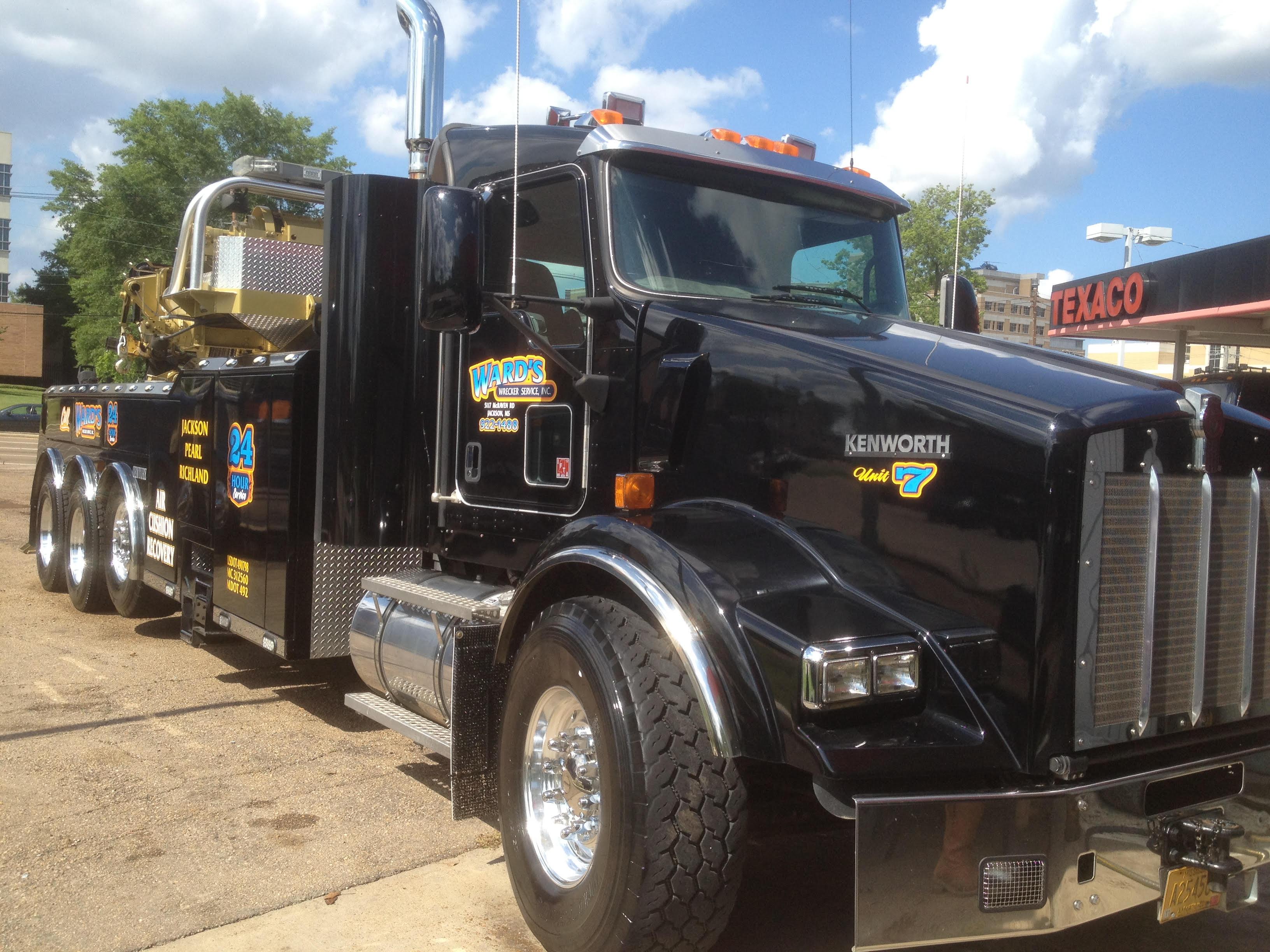 Ward's Wrecker Service Inc. image 1