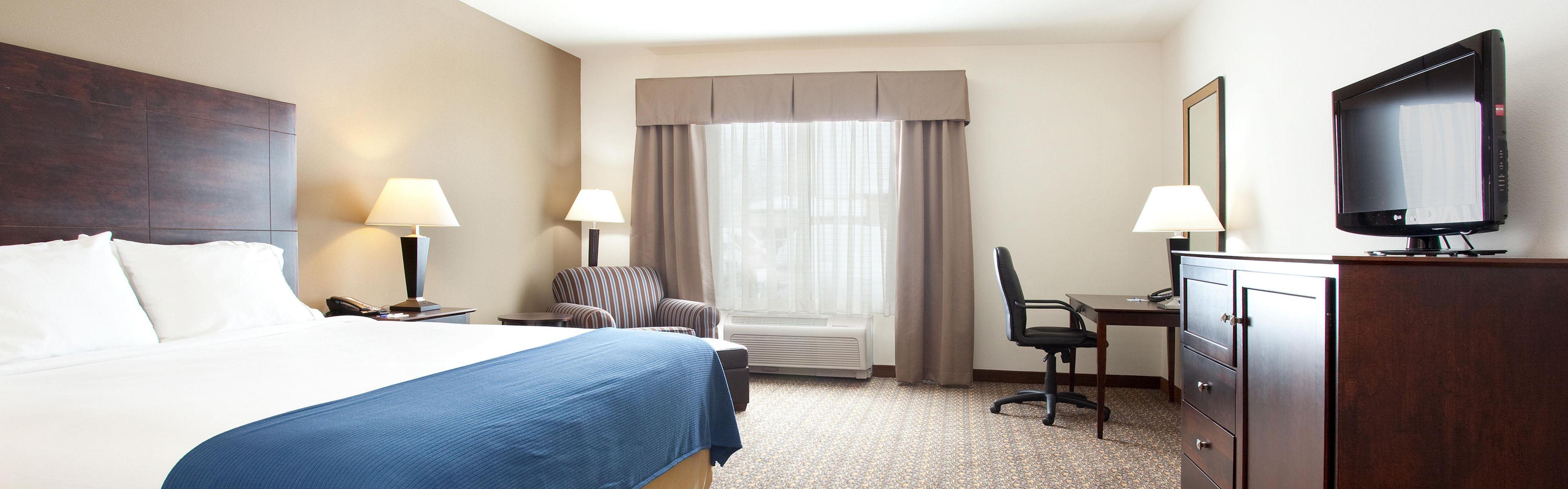 Holiday Inn Express & Suites Lander image 1