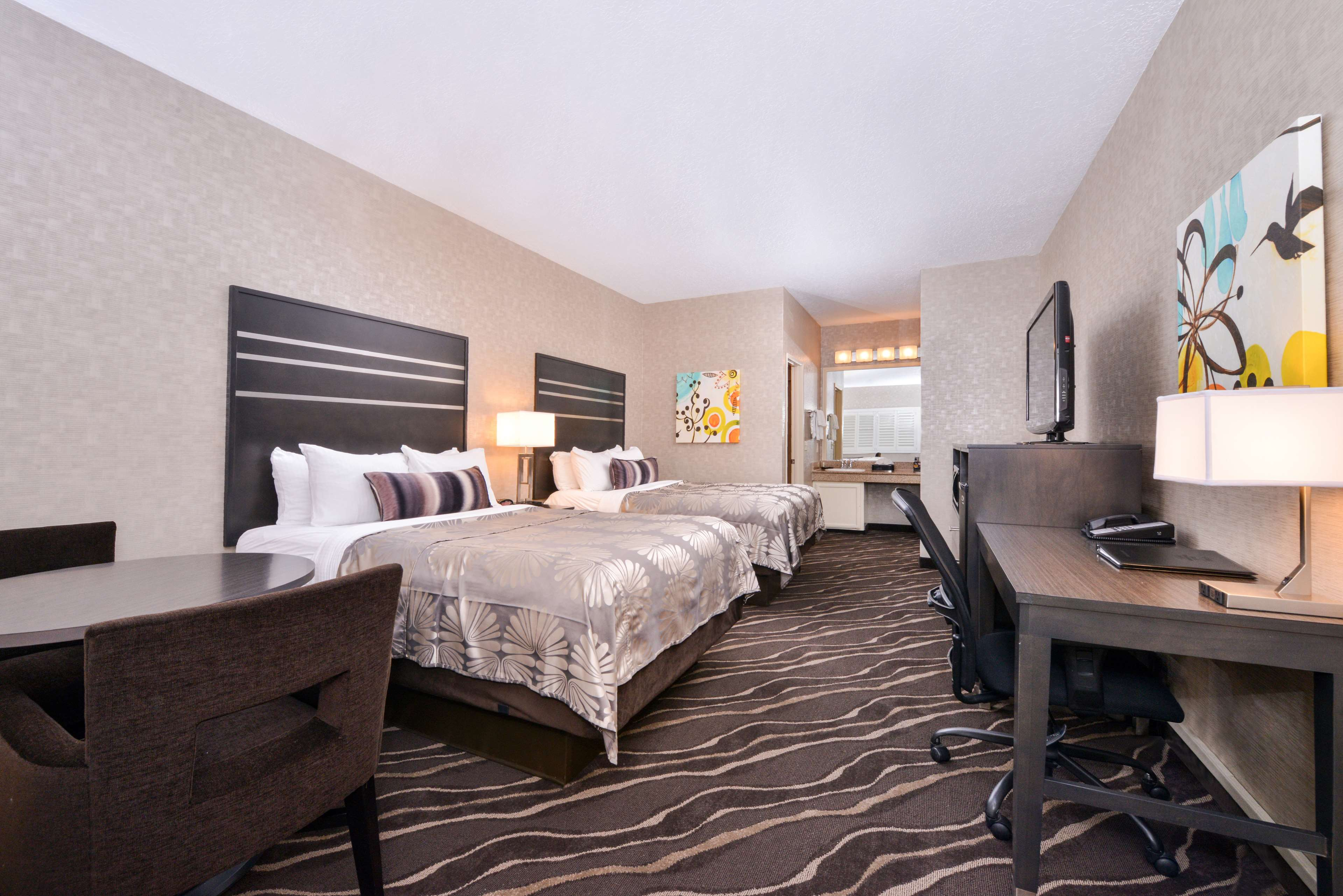 Best Western Plus Park Place Inn - Mini Suites image 28