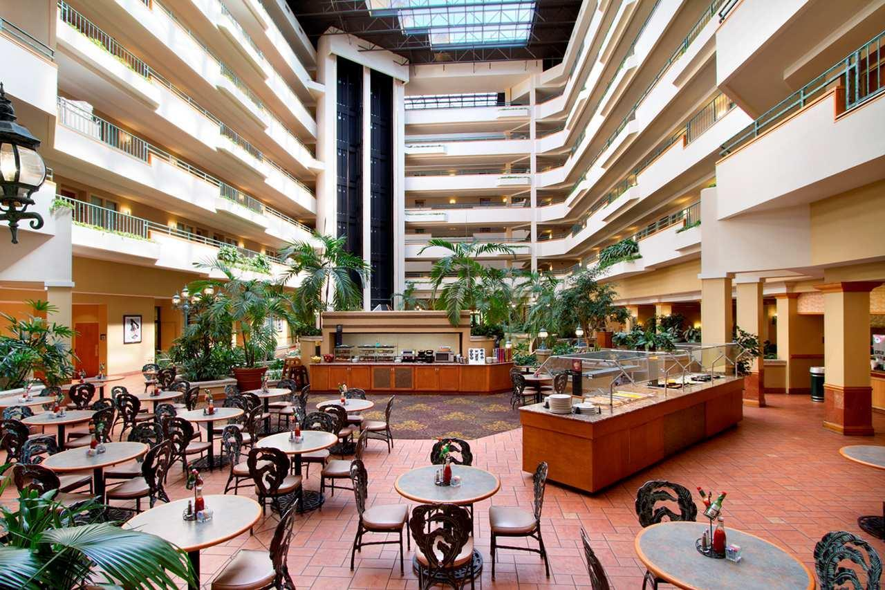 Embassy Suites by Hilton Greensboro Airport image 3