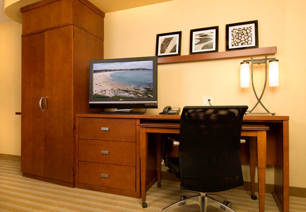 Courtyard by Marriott Houston Pearland image 10