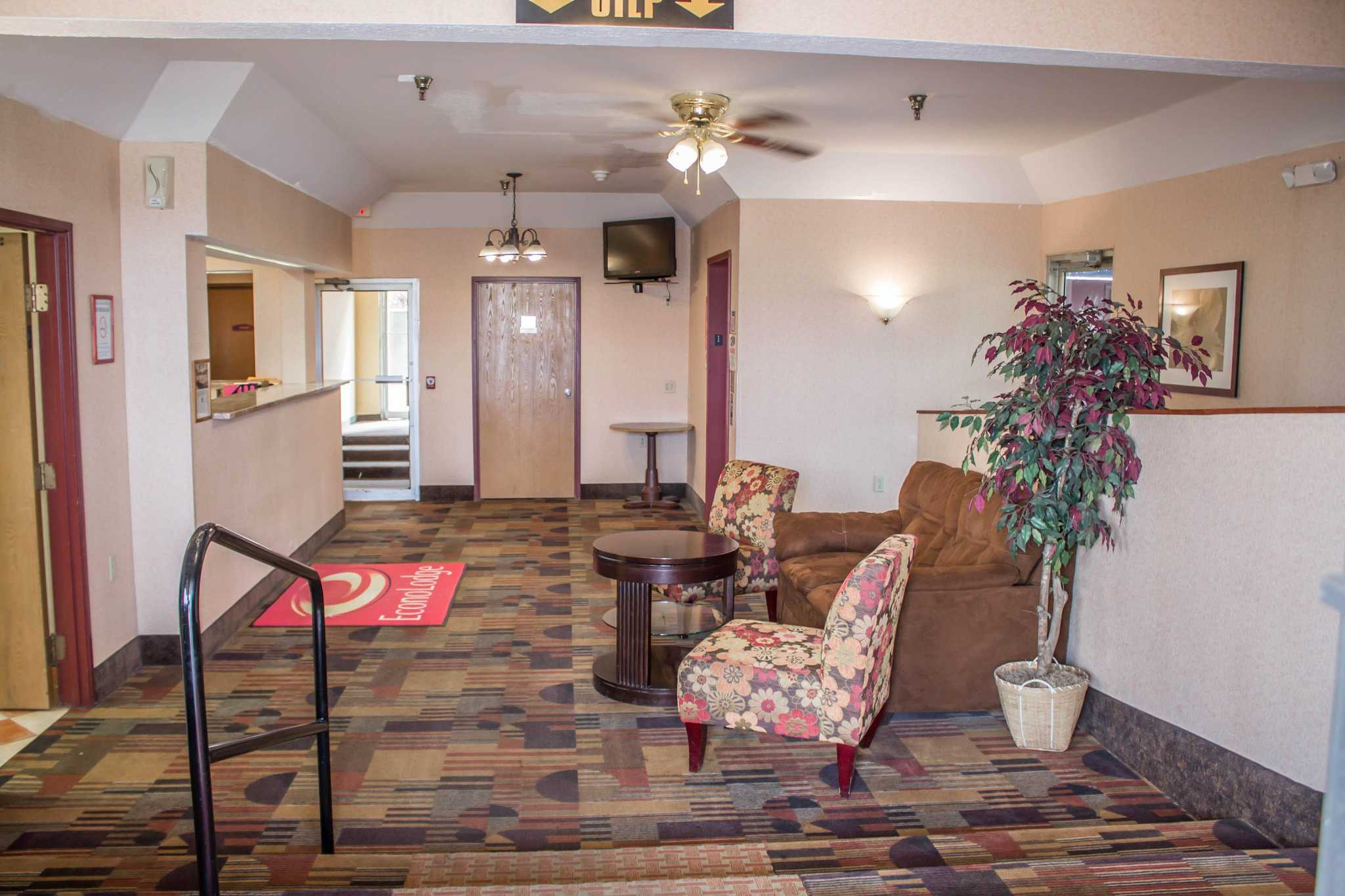 Econo Lodge image 19