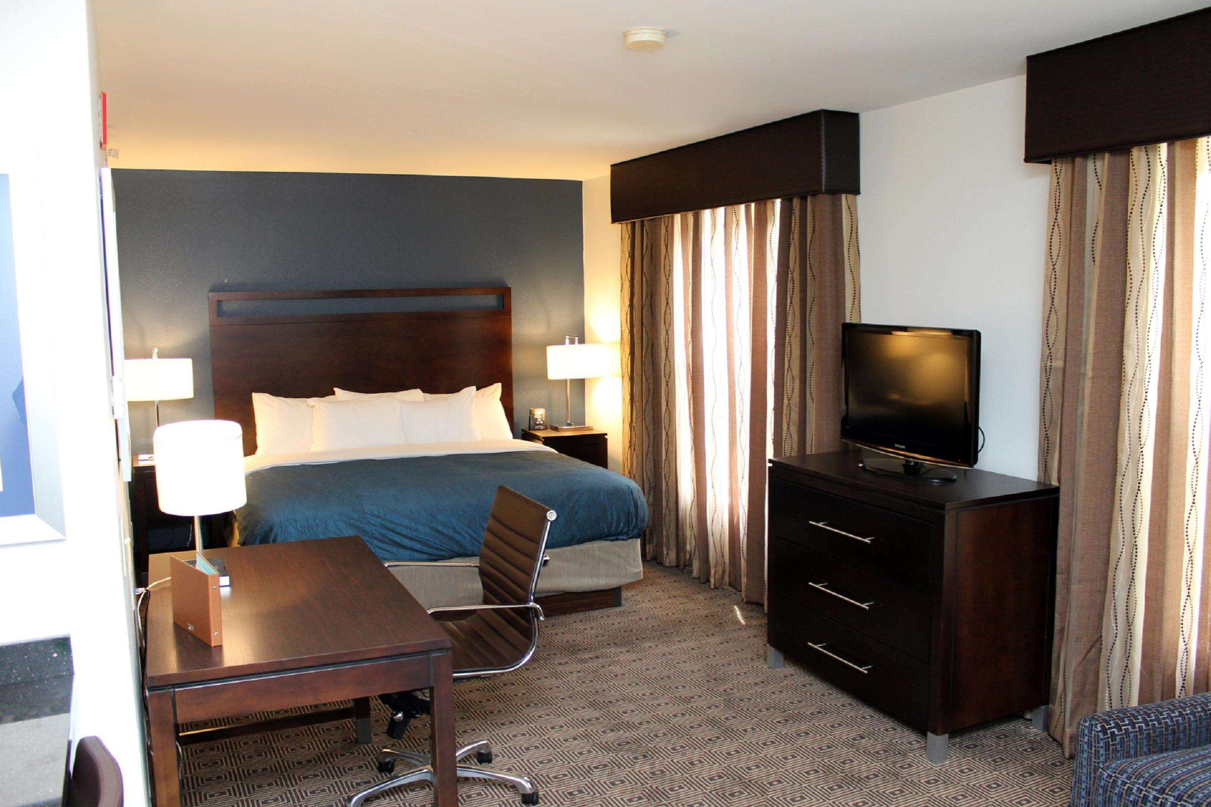 Homewood Suites by Hilton Manchester/Airport image 11
