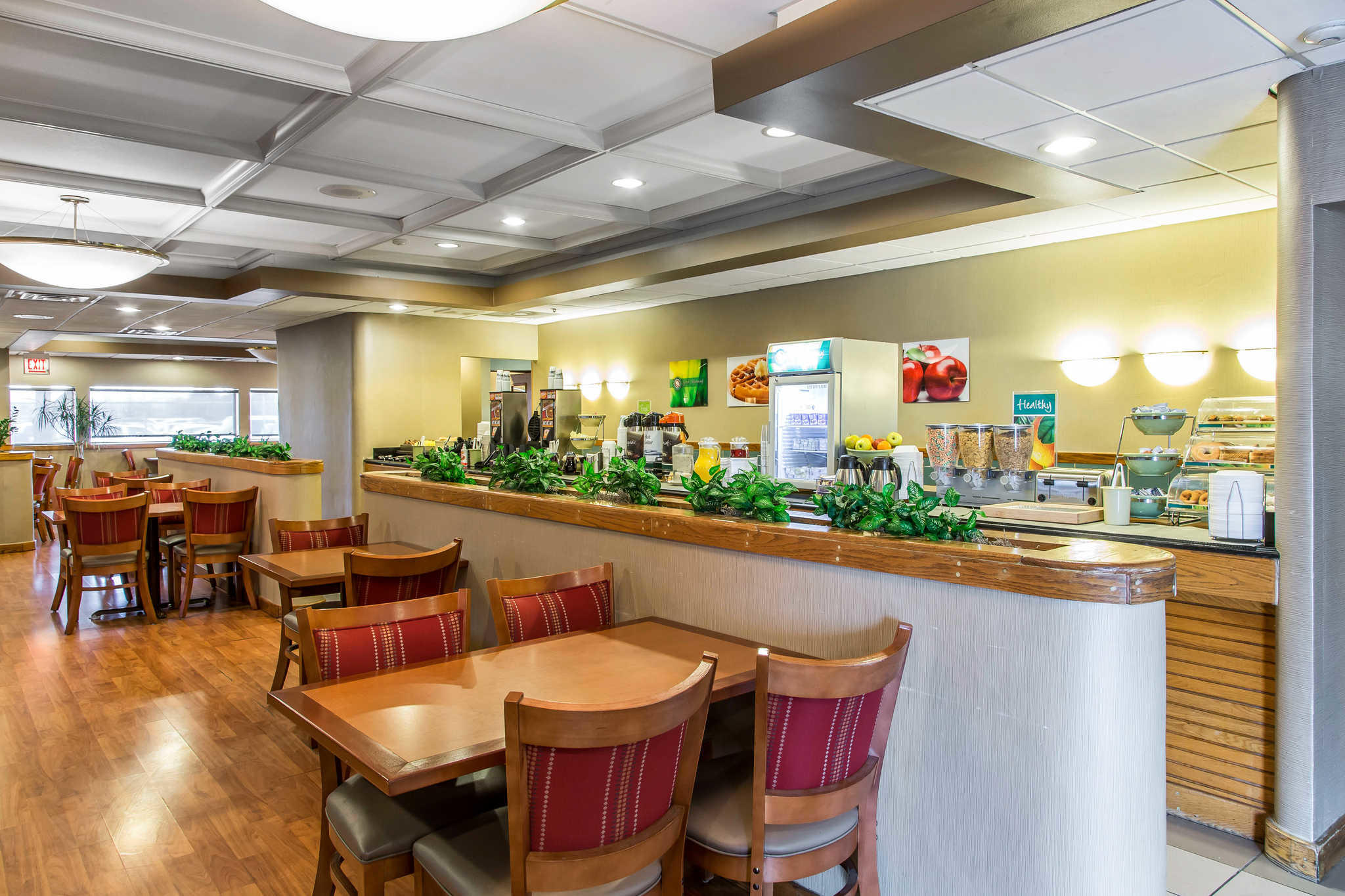Quality Inn Midway Airport image 19