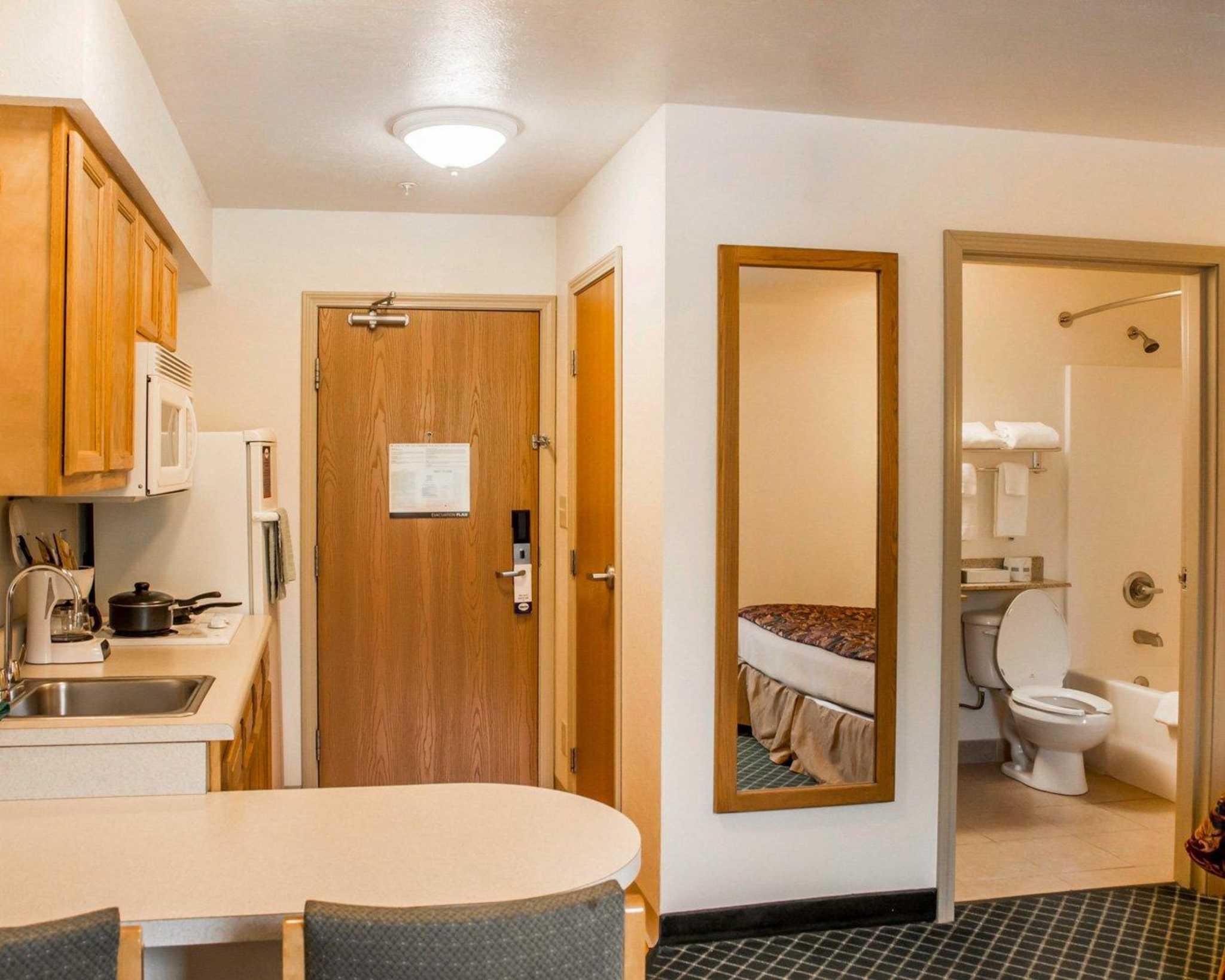 Suburban Extended Stay Hotel Dayton-WP AFB image 15