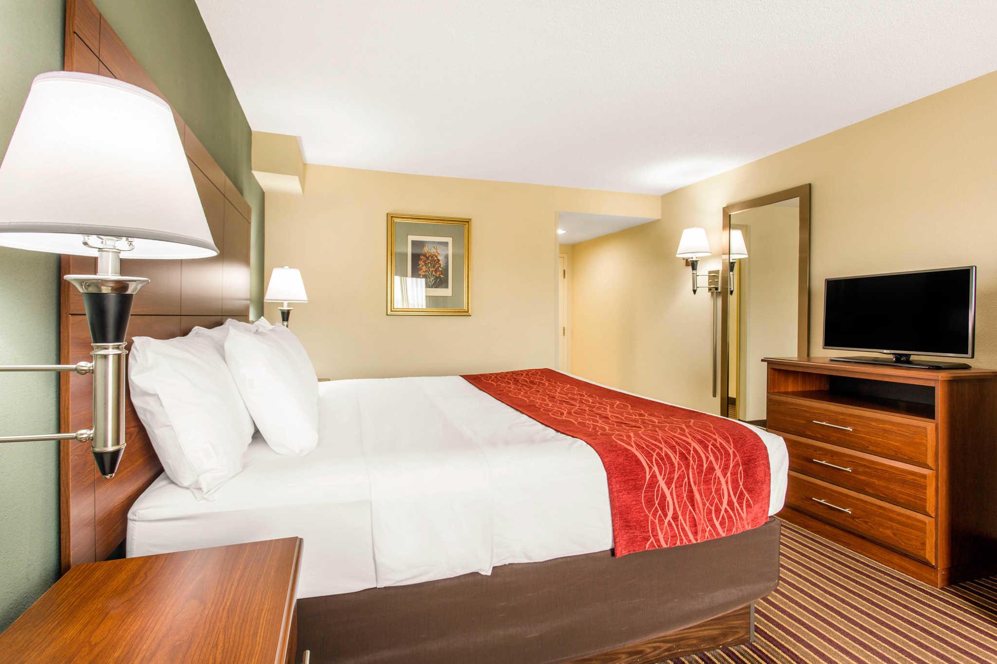 Comfort Inn & Suites Crabtree Valley image 10