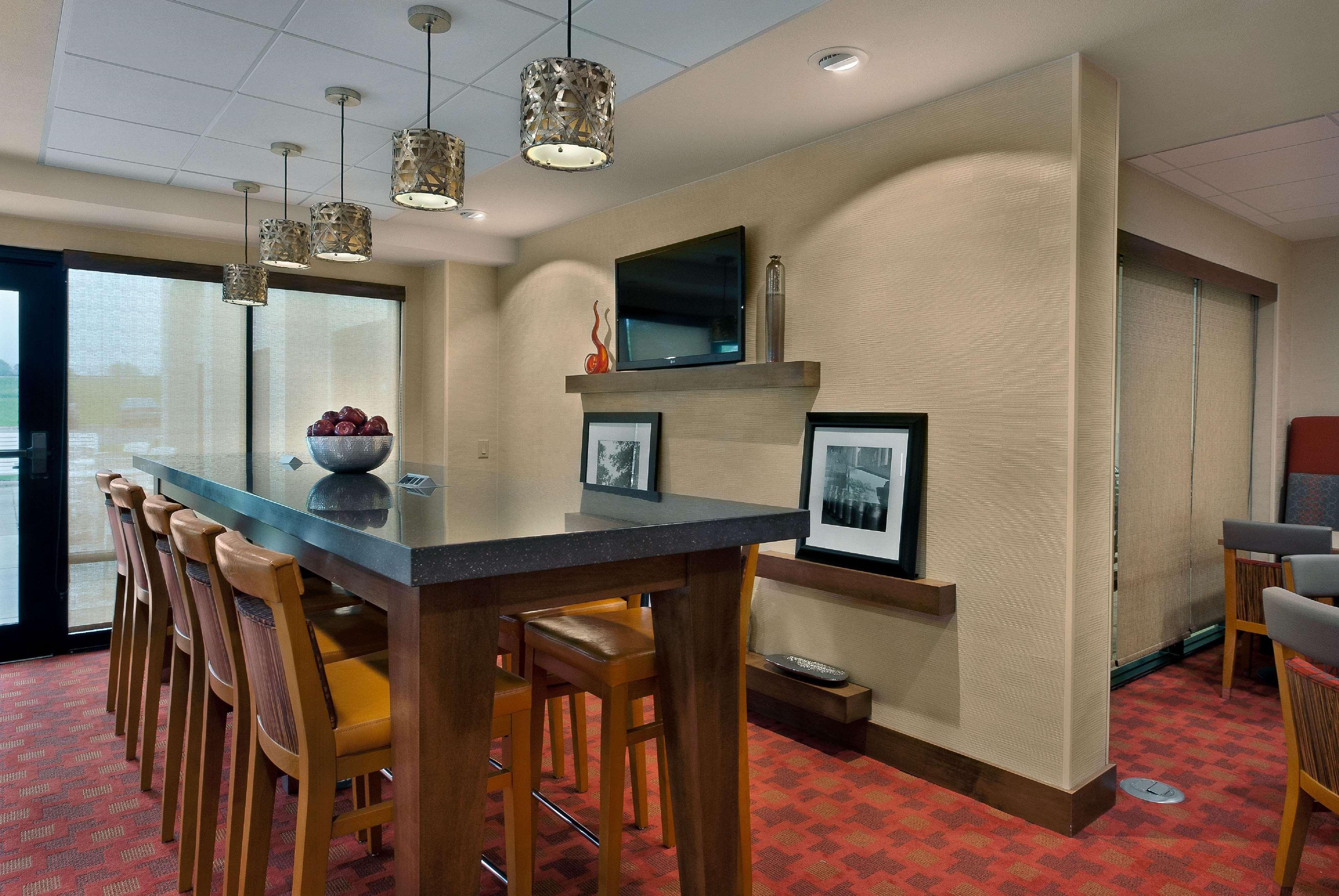 Hampton Inn Milwaukee/Brookfield image 4