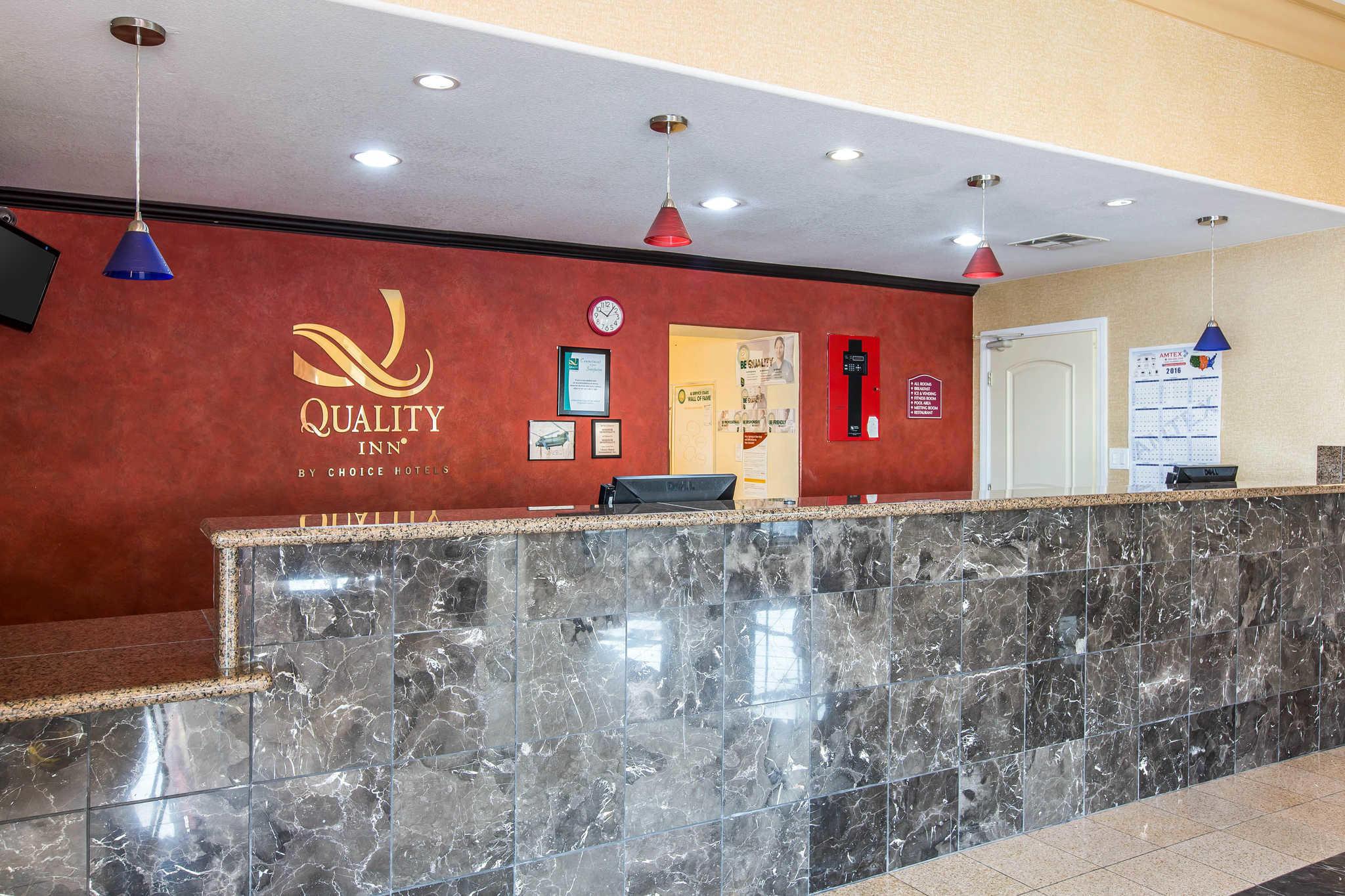 Quality Inn El Centro I-8 image 3
