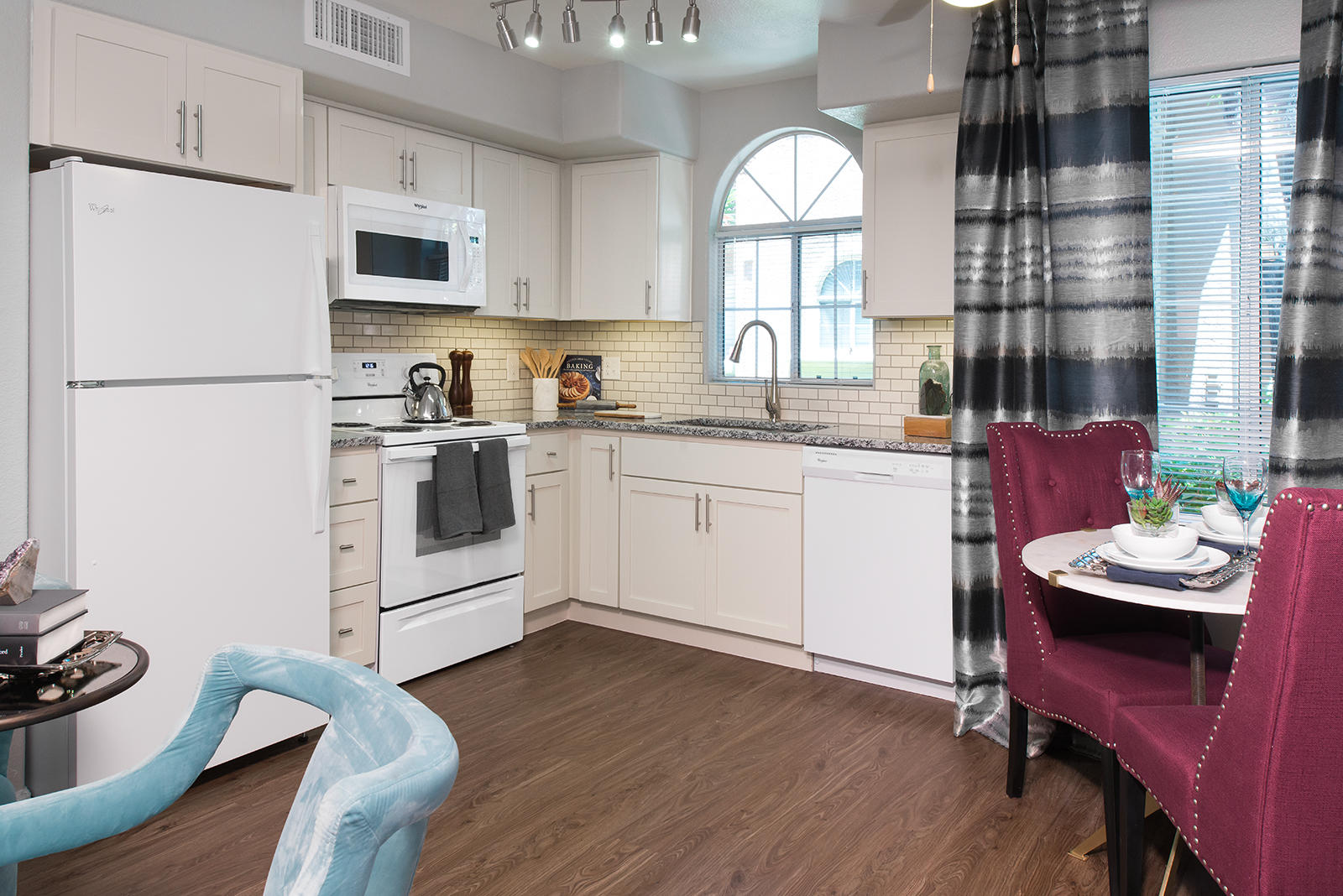 Attiva Valley View Active Living Apartments by Cortland image 1