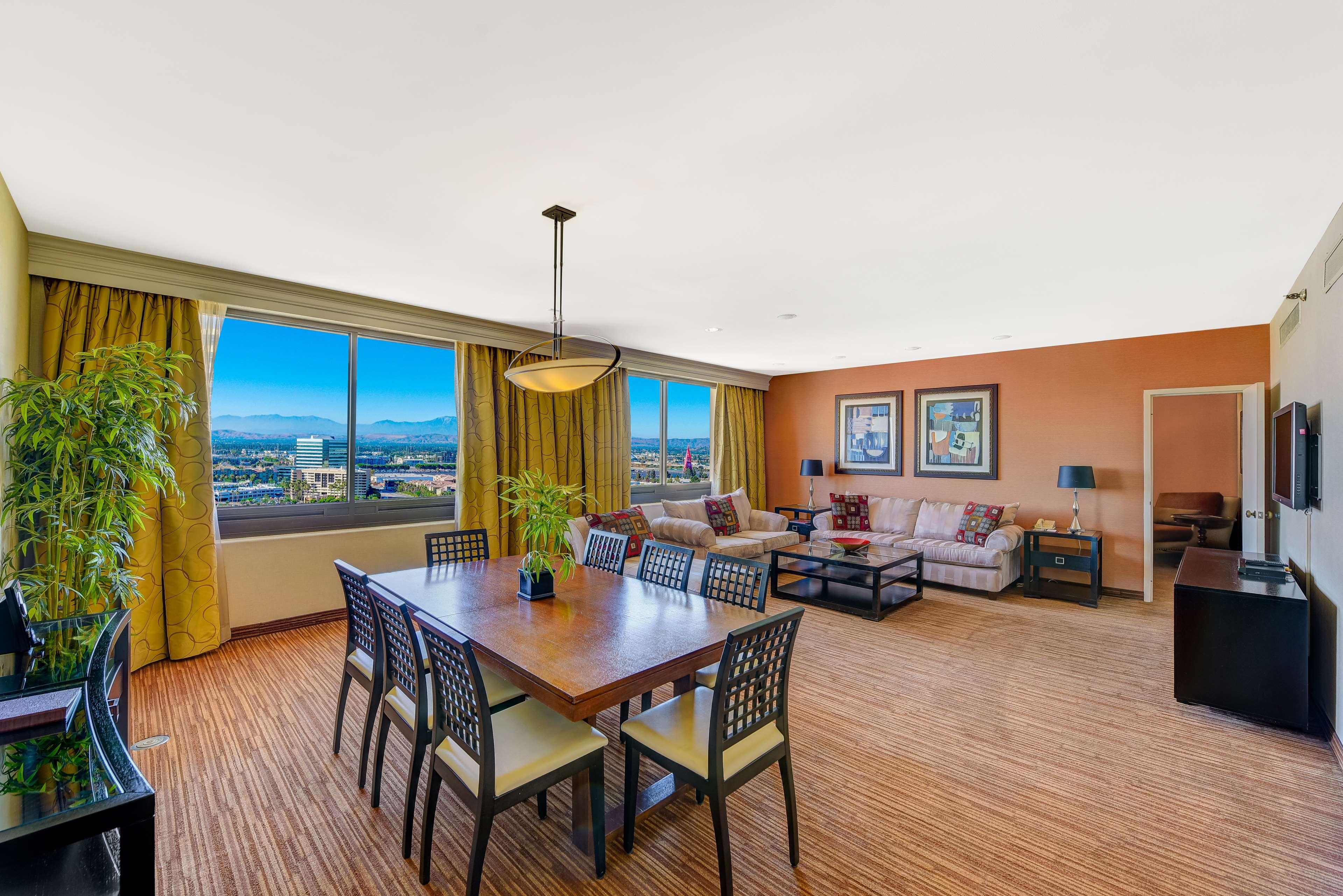 DoubleTree by Hilton Hotel Anaheim - Orange County image 39