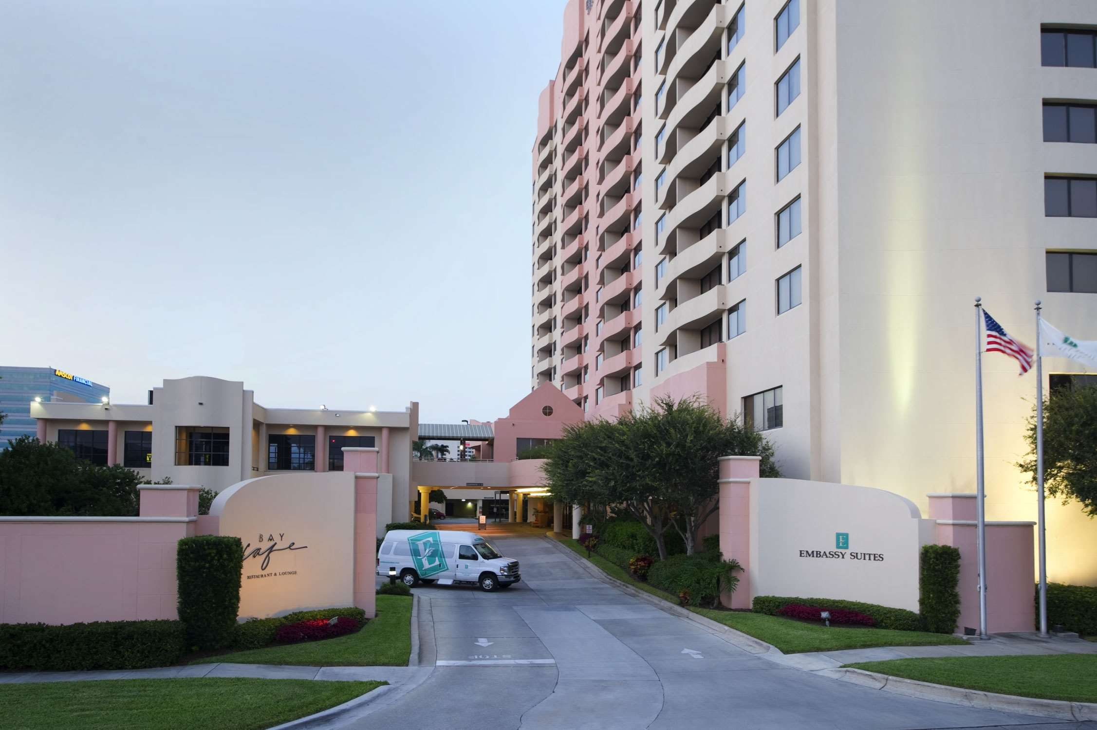 Embassy Suites by Hilton Tampa Airport Westshore image 2
