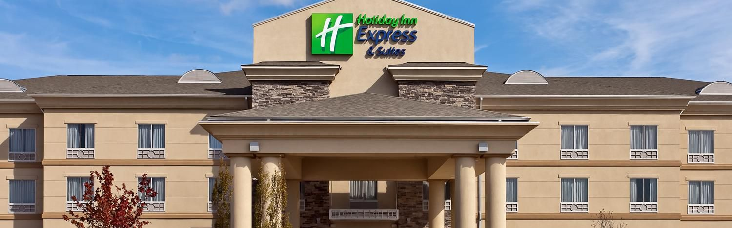 Holiday Inn Express & Suites Newton image 0