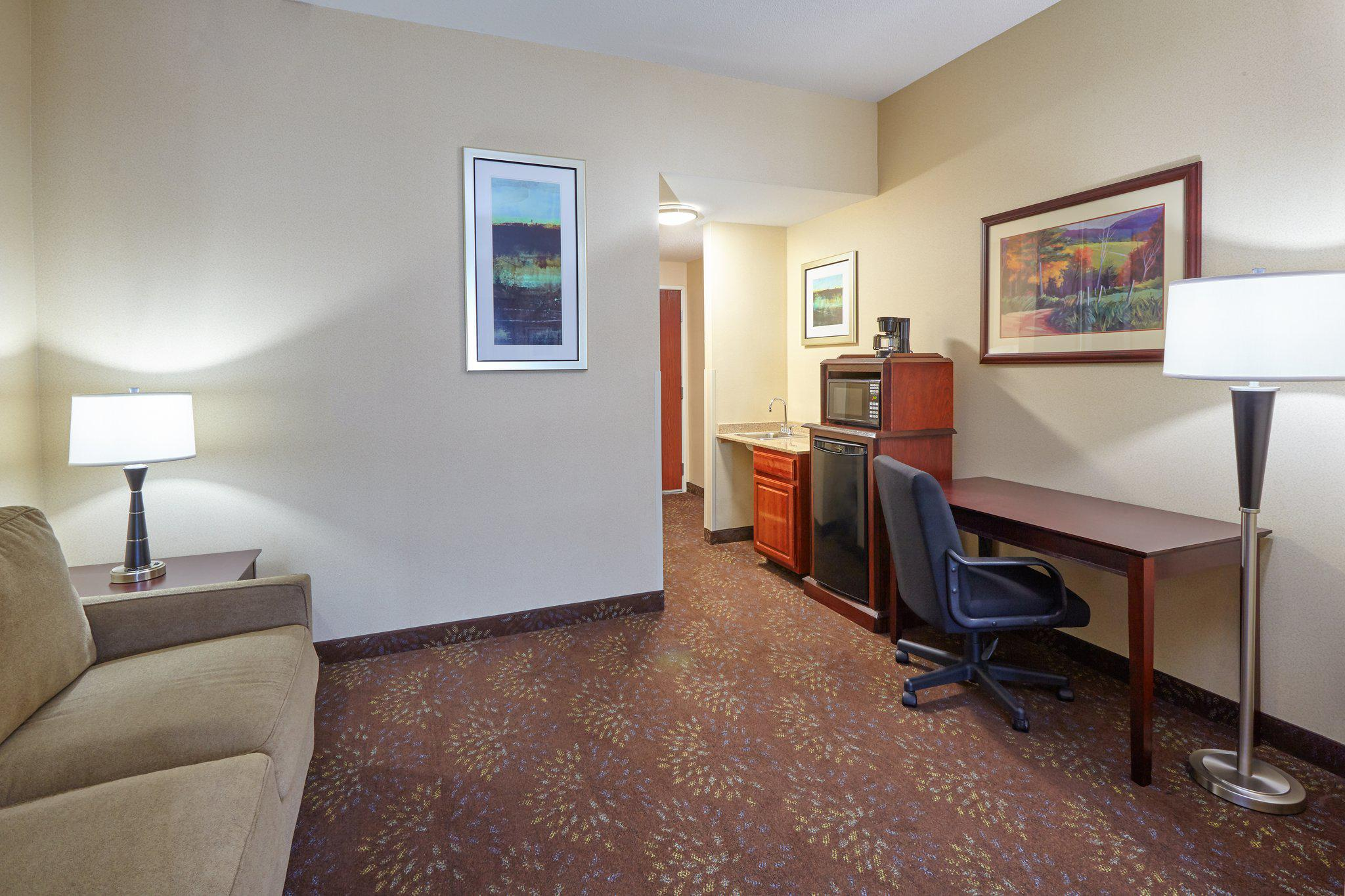 Holiday Inn Express & Suites Grand Rapids - South in Grand Rapids, MI, photo #22