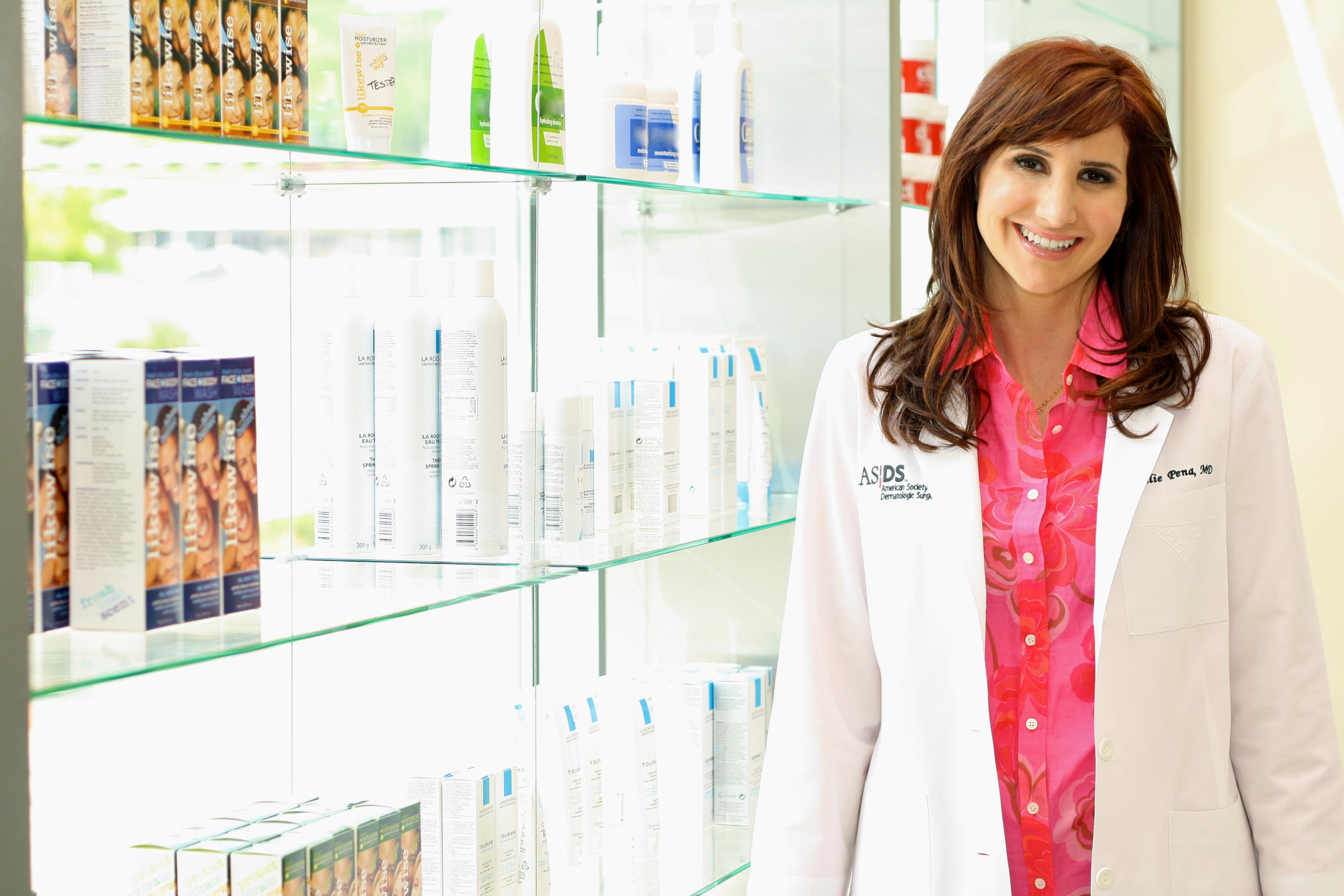Dr. Julie Pena image 4