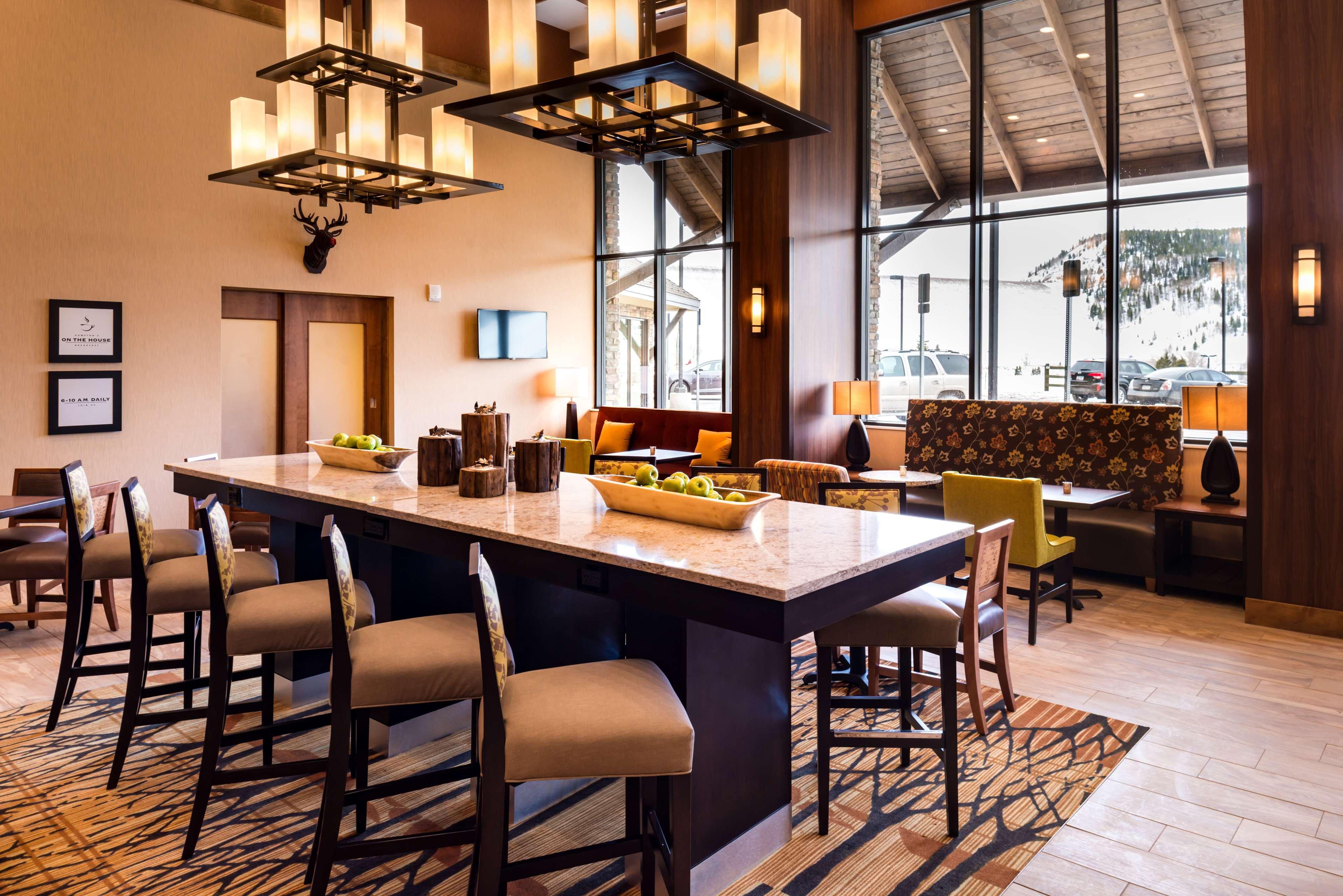 Hampton Inn & Suites Silverthorne image 9