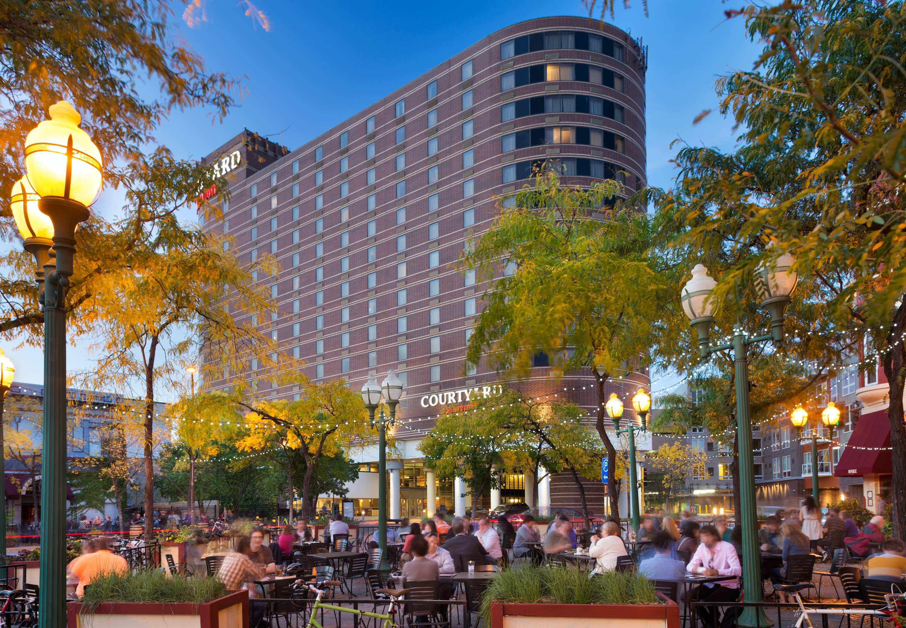 Courtyard by Marriott Minneapolis Downtown image 0