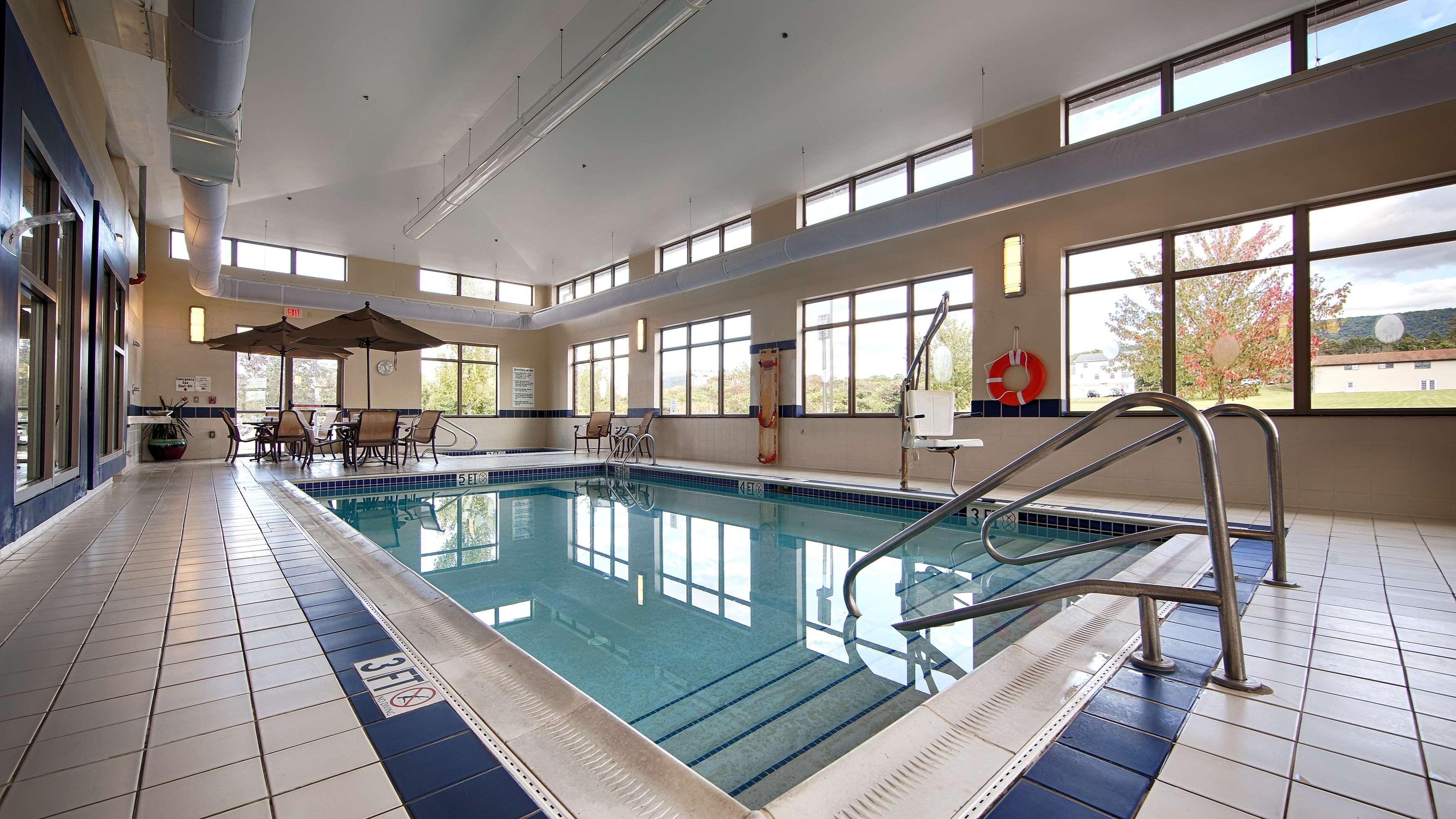 Best Western Plus University Park Inn & Suites image 14