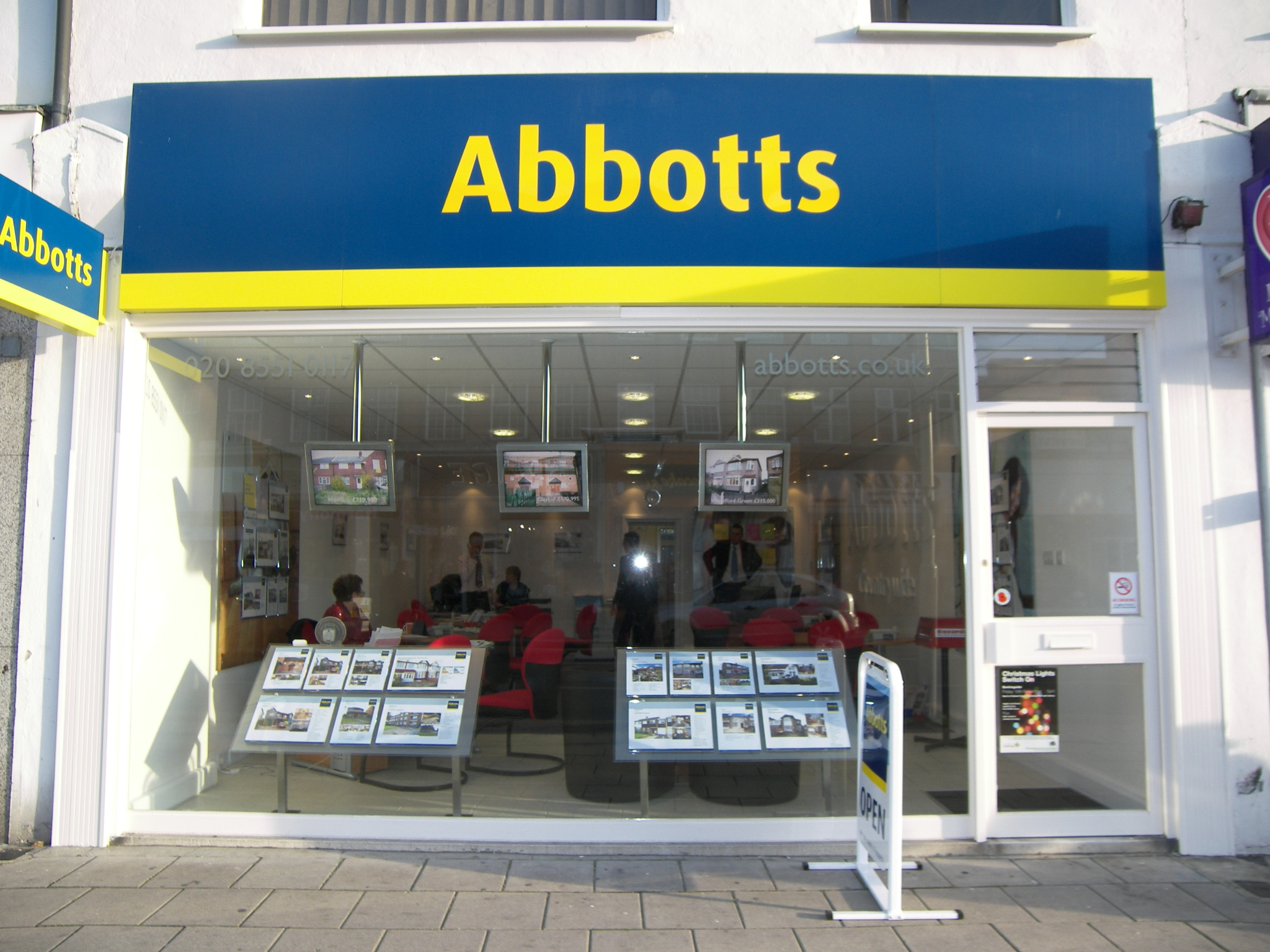 Abbotts Countrywide Estate Agents In Ilford Ig6 2dj