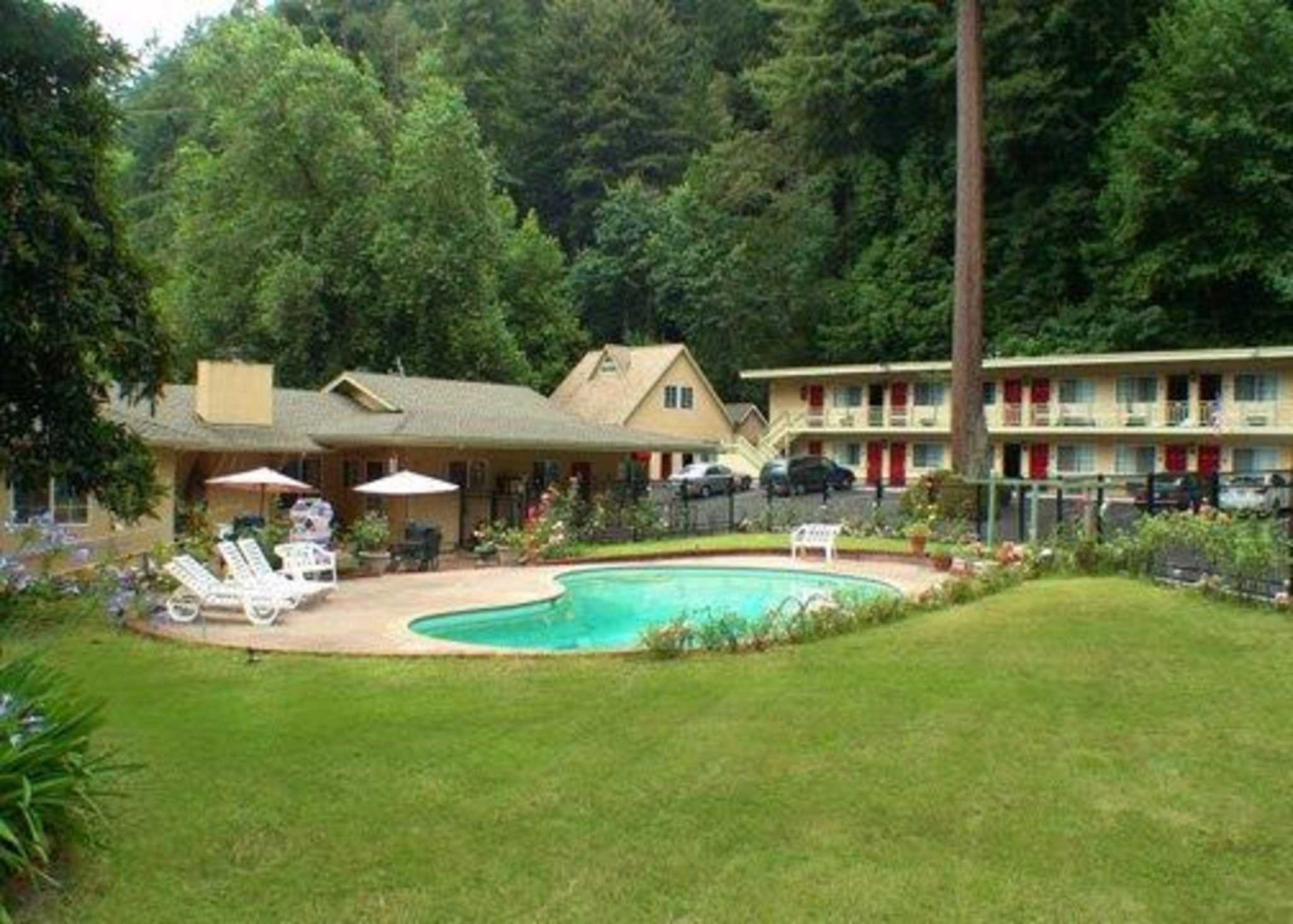 Quality Inn & Suites Santa Cruz Mountains image 0