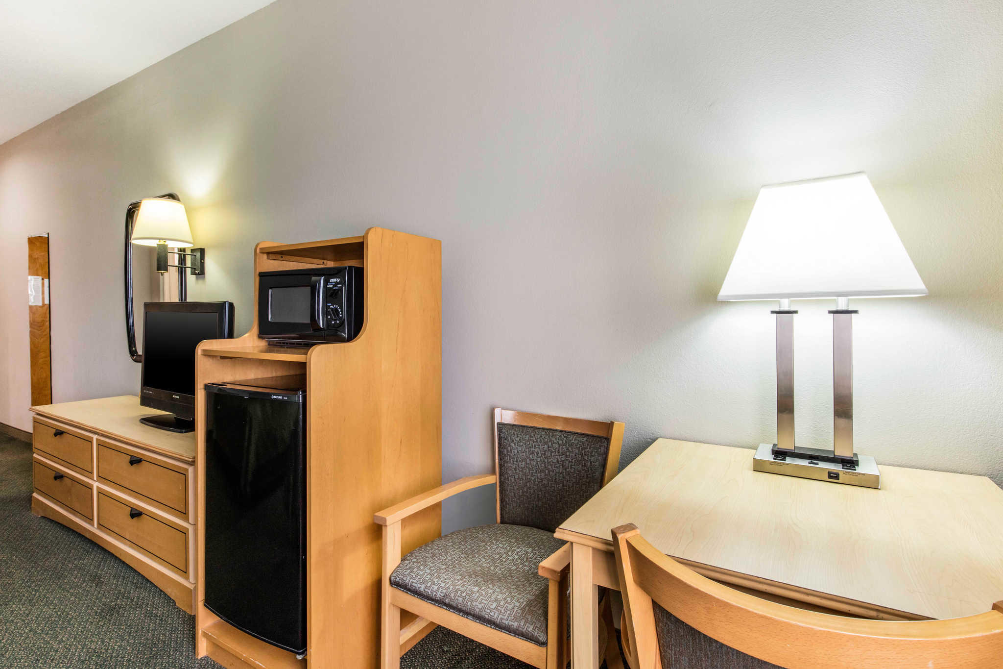 Quality Inn Suites Jackson Intl Airport Gilchrist Drive