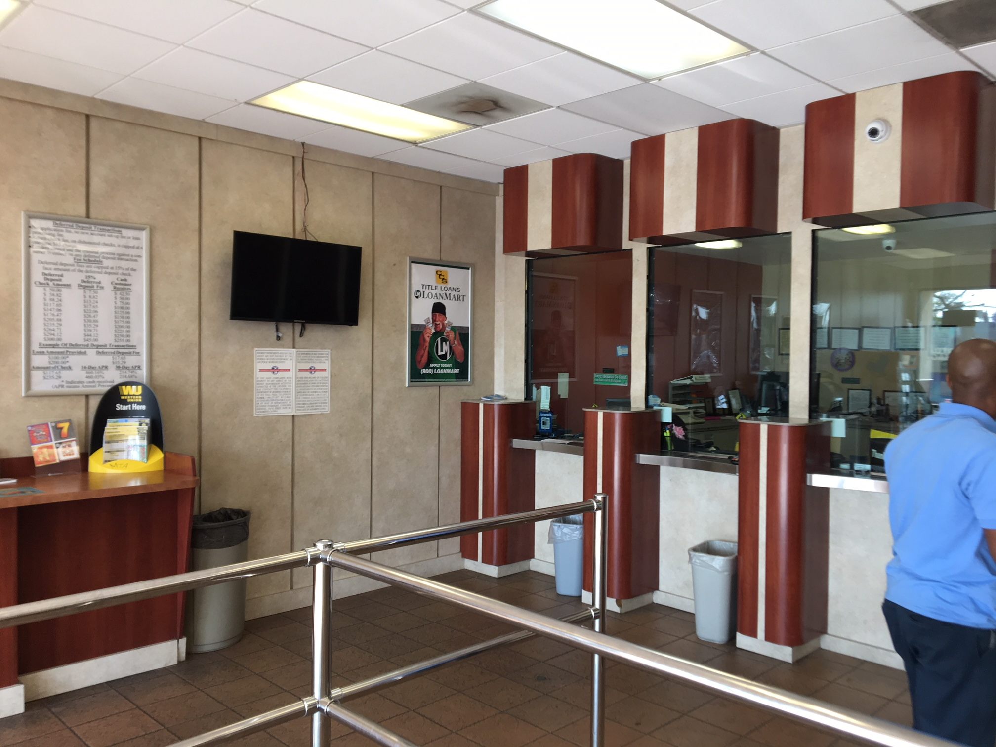CCS Title Loans - LoanMart Imperial Courts image 3