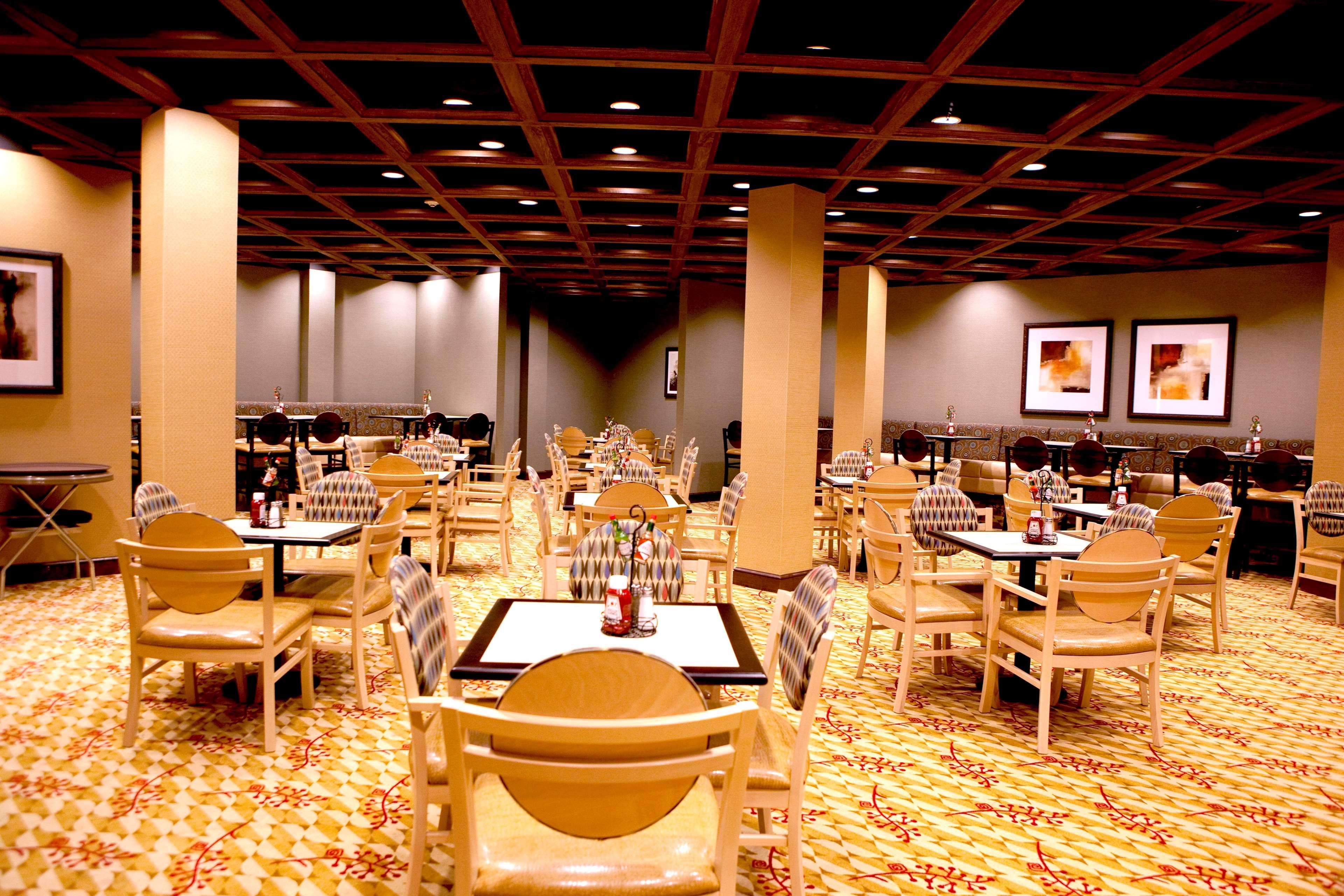 Embassy Suites by Hilton Birmingham Hoover image 21