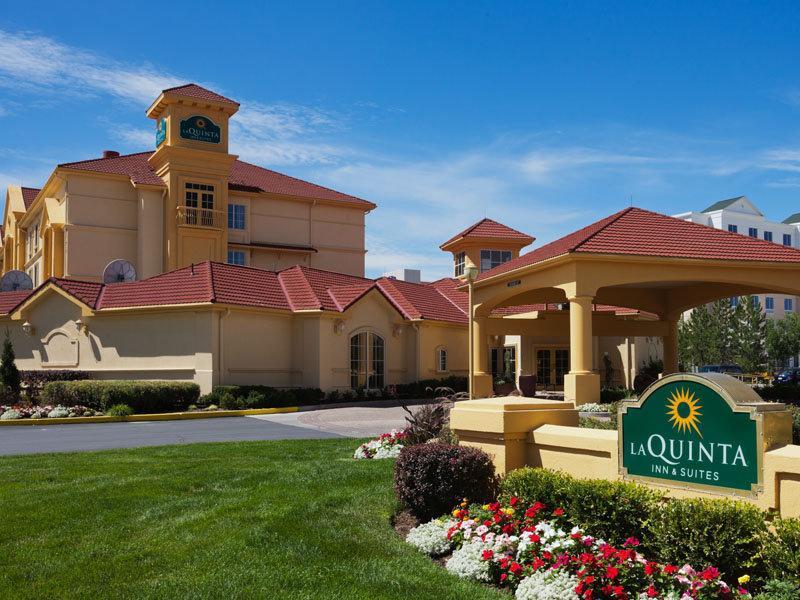 La Quinta Inn & Suites Salt Lake City Airport - ad image