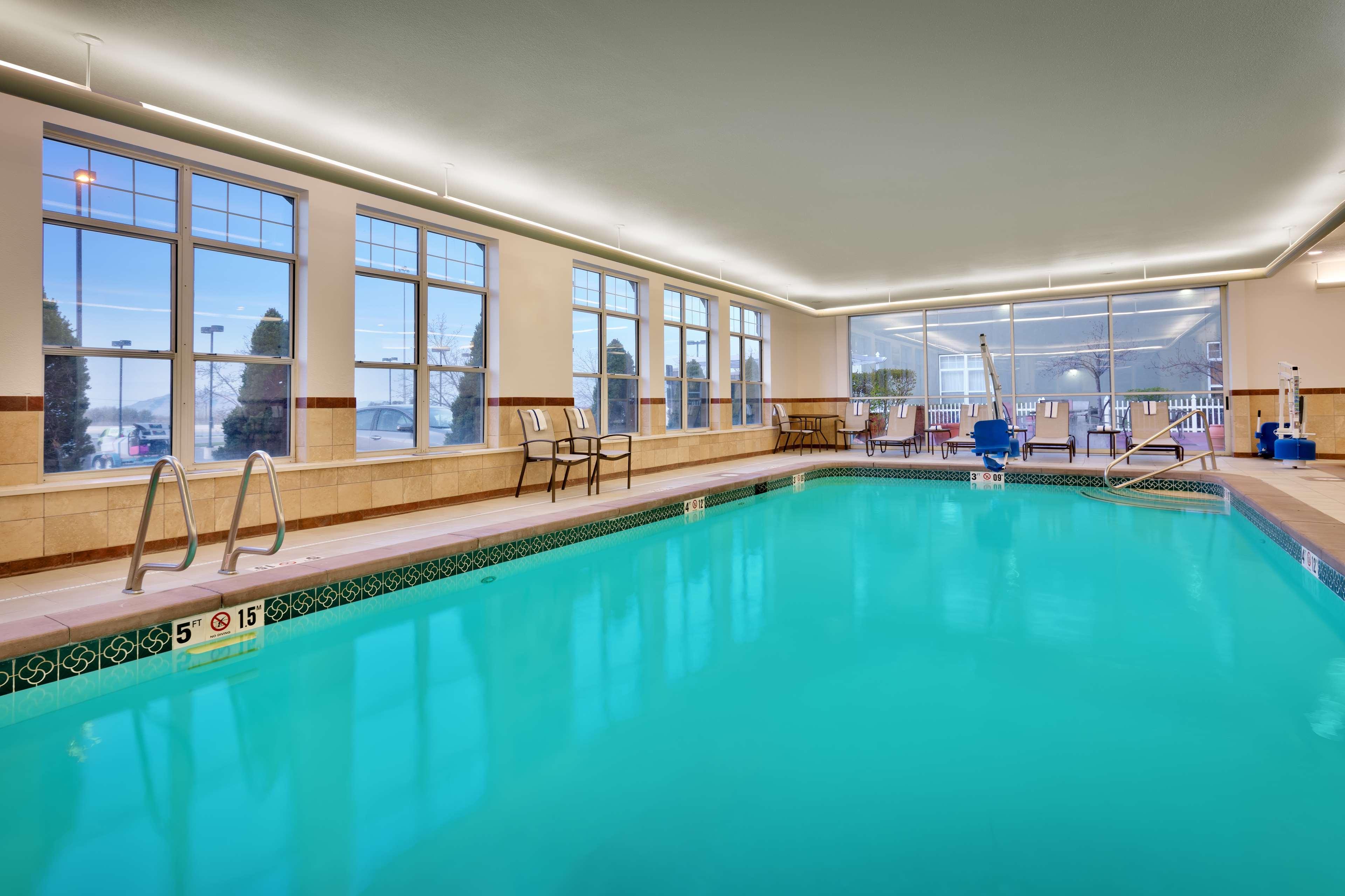 Hampton Inn & Suites Orem image 5