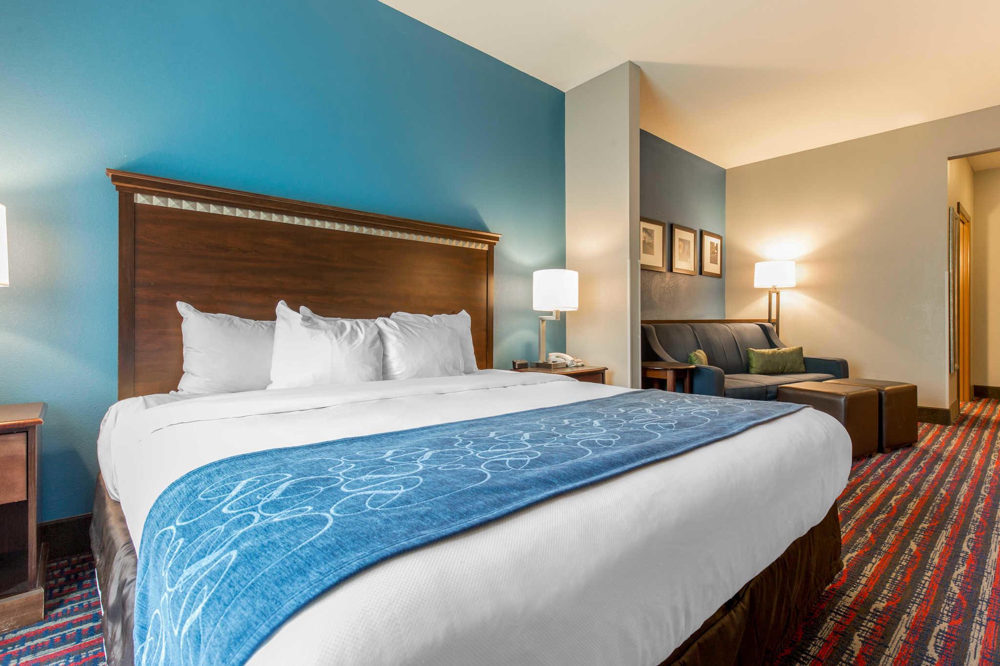 Comfort Suites image 0