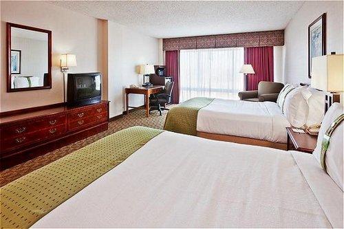 Holiday Inn University Plaza-Bowling Green image 1