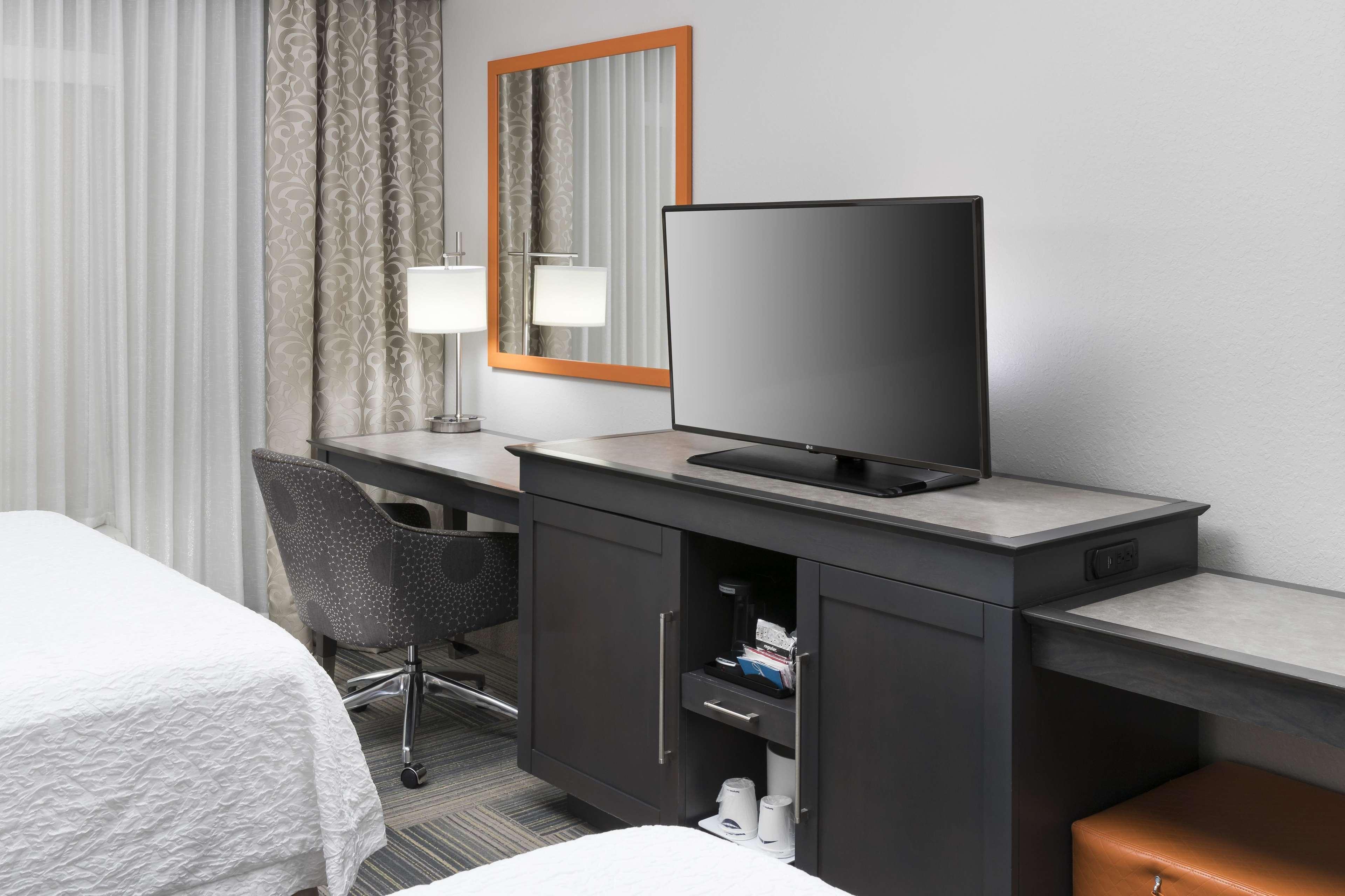 Hampton Inn & Suites by Hilton Atlanta Perimeter Dunwoody image 31