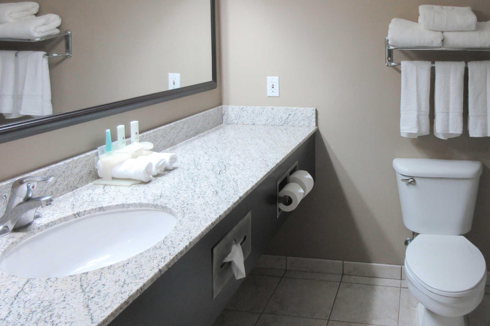 Clarion Inn & Suites image 8