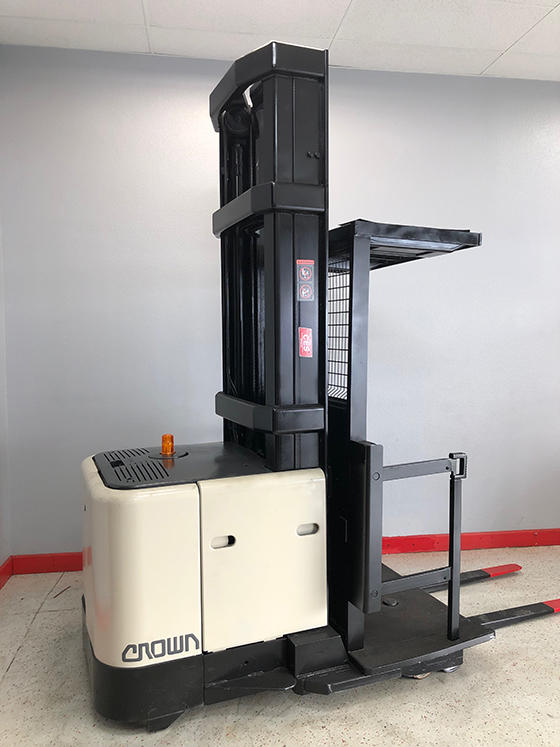 Electric Fork Lifts image 1