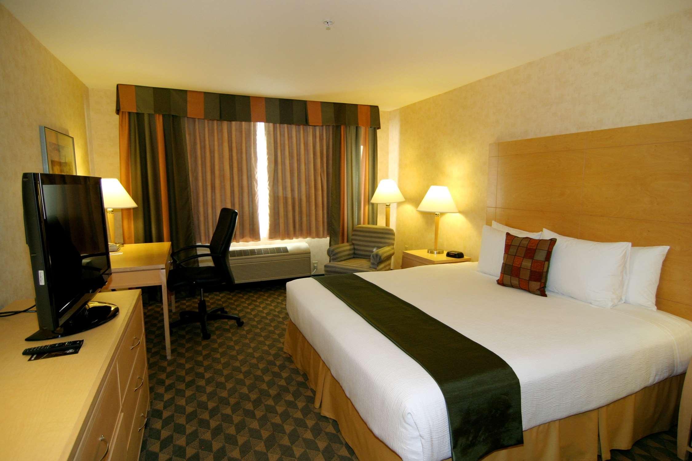 Best Western Plus North Las Vegas Inn & Suites image 9