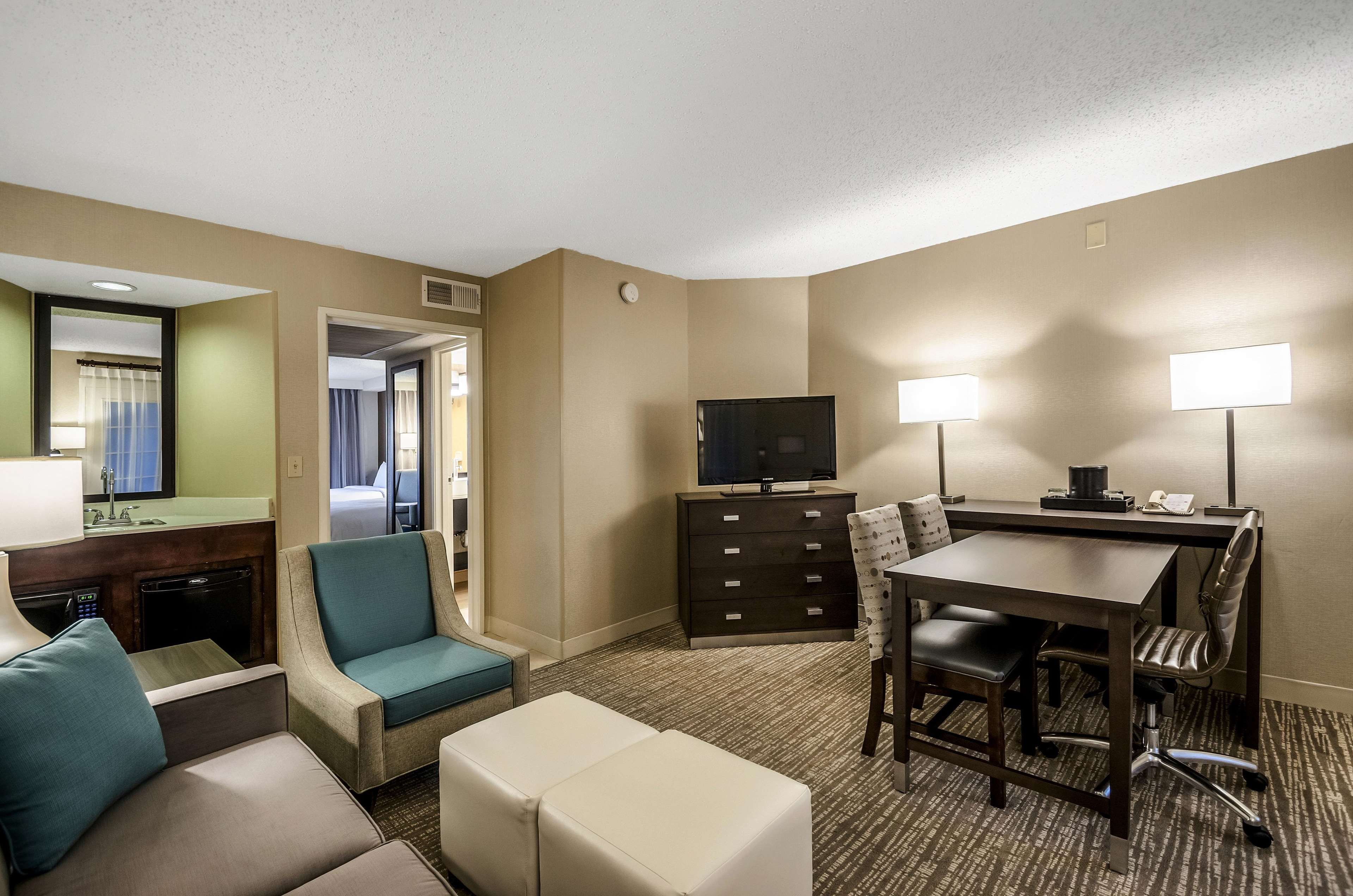 Embassy Suites by Hilton Indianapolis North image 30