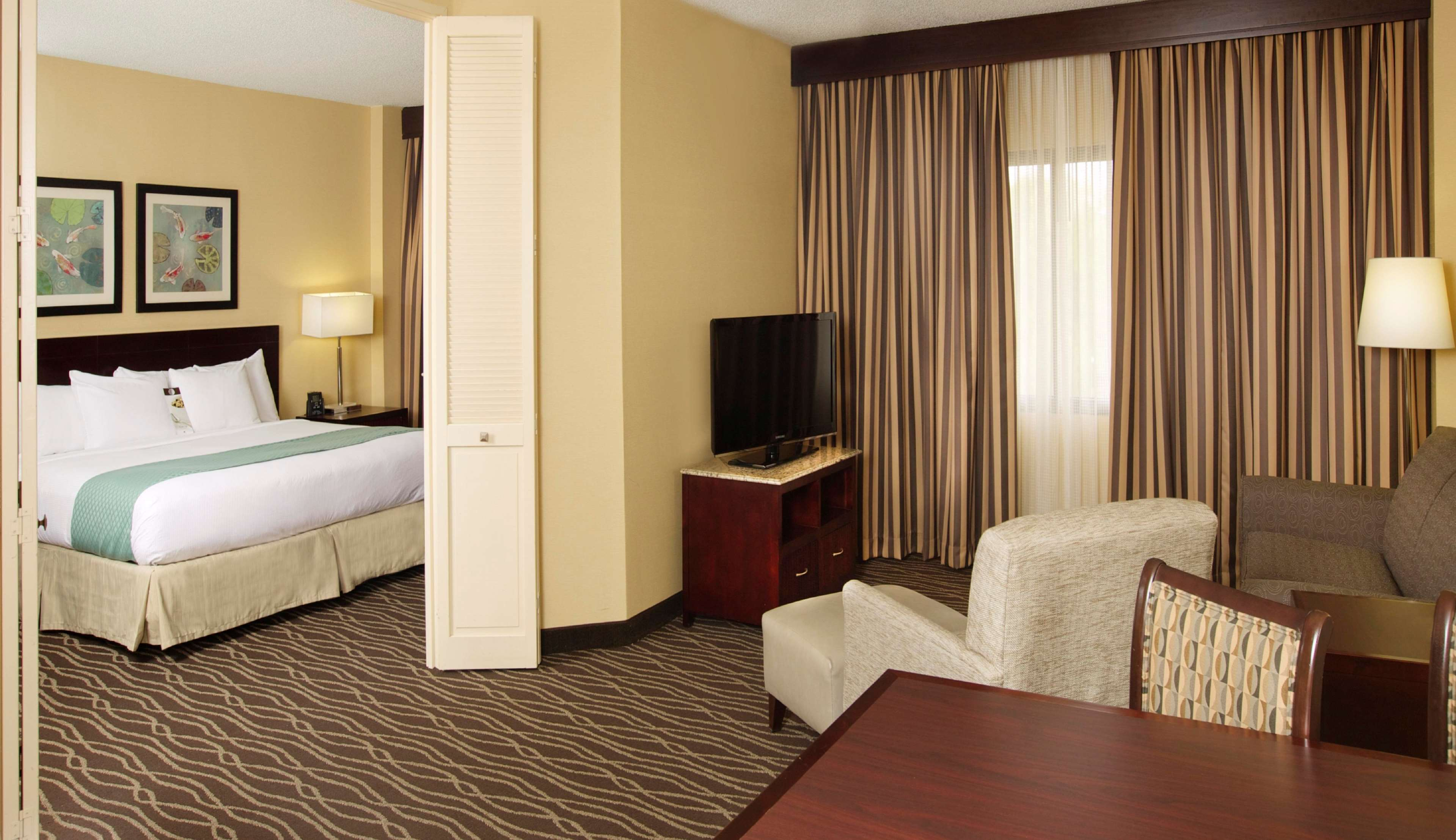 DoubleTree Suites by Hilton Hotel Raleigh - Durham image 18