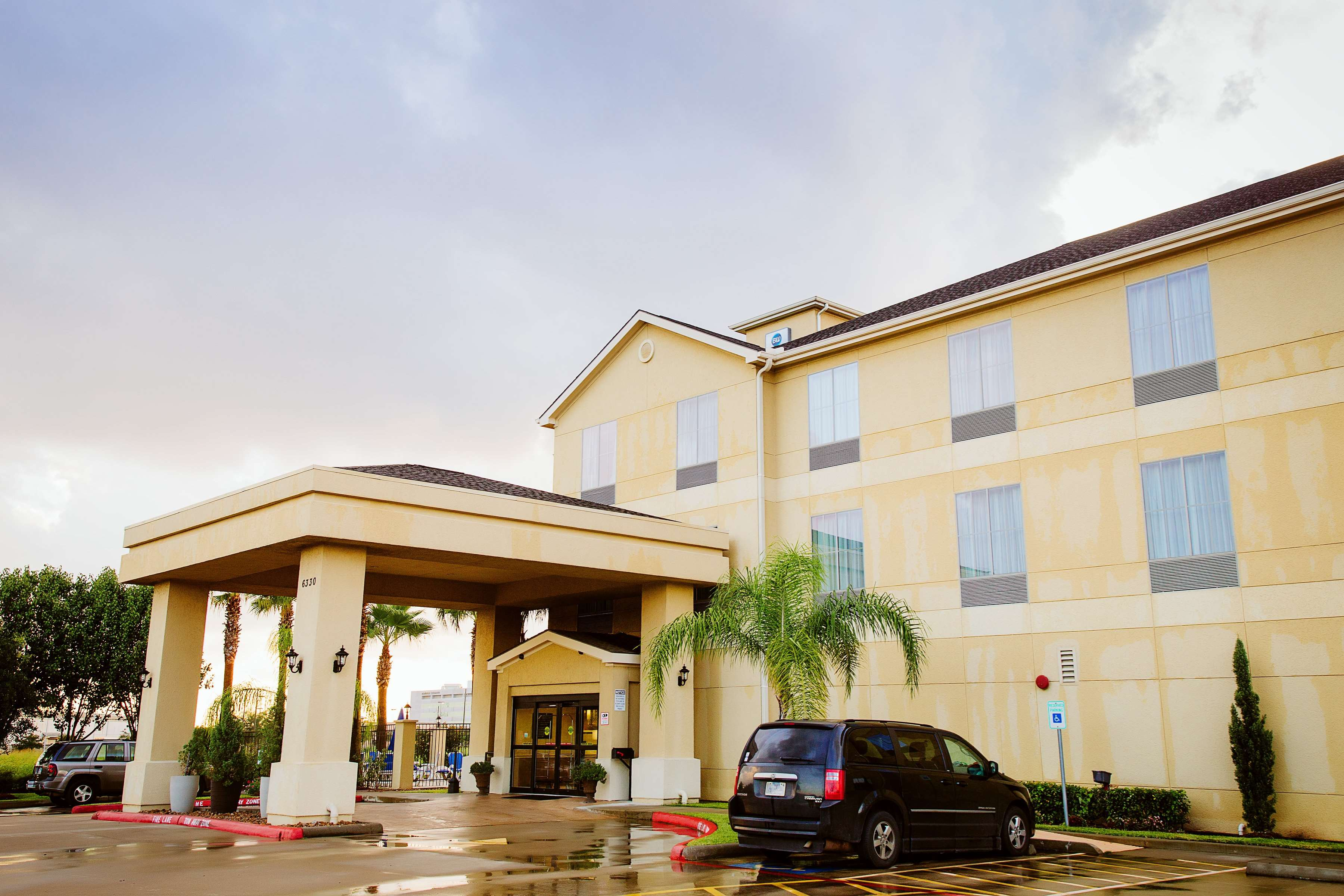 Best Western Sugarland Inn image 6