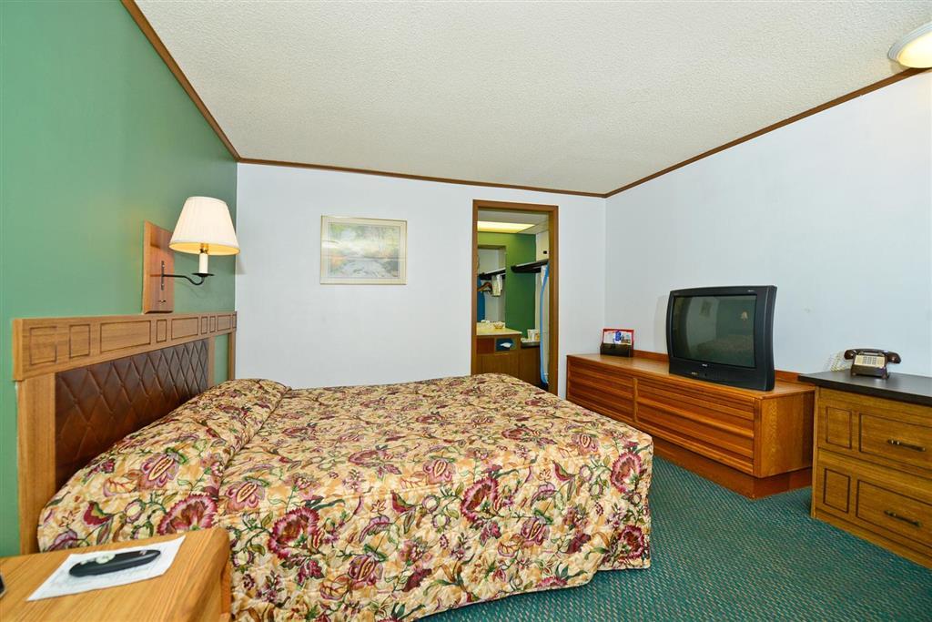 Americas Best Value Inn Covington image 12
