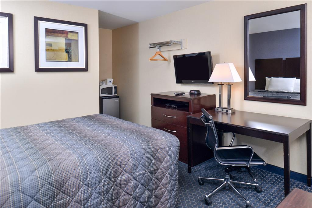 Americas Best Value Inn - Danbury image 10