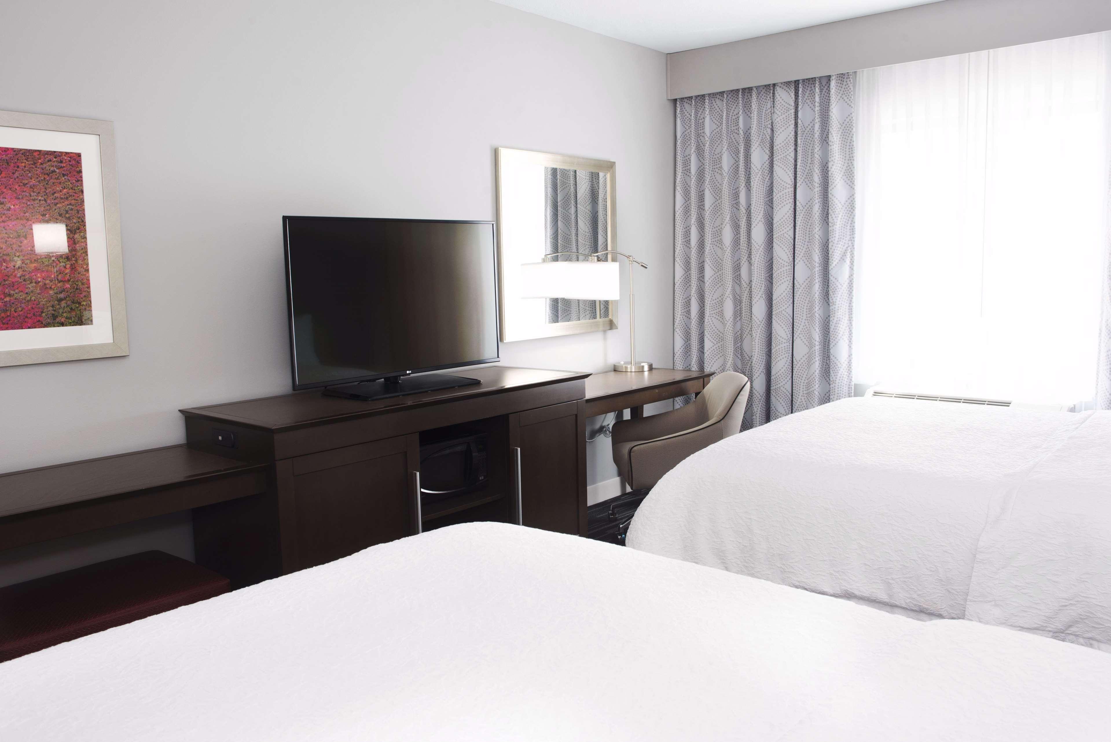 Hampton Inn & Suites Des Moines/Urbandale image 27