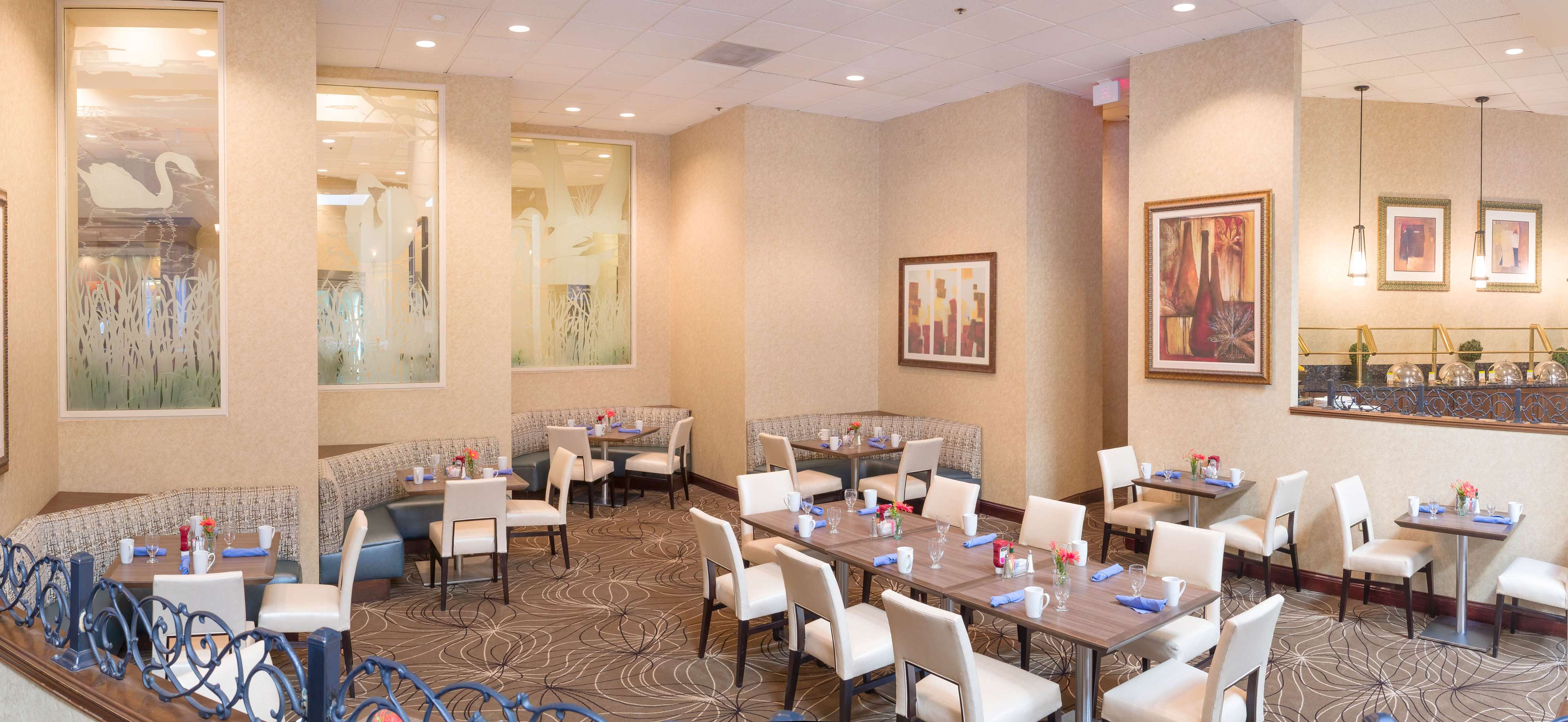 DoubleTree by Hilton Hotel Boston - Milford image 7