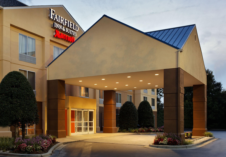 Fairfield Inn & Suites by Marriott Charlotte Arrowood image 2