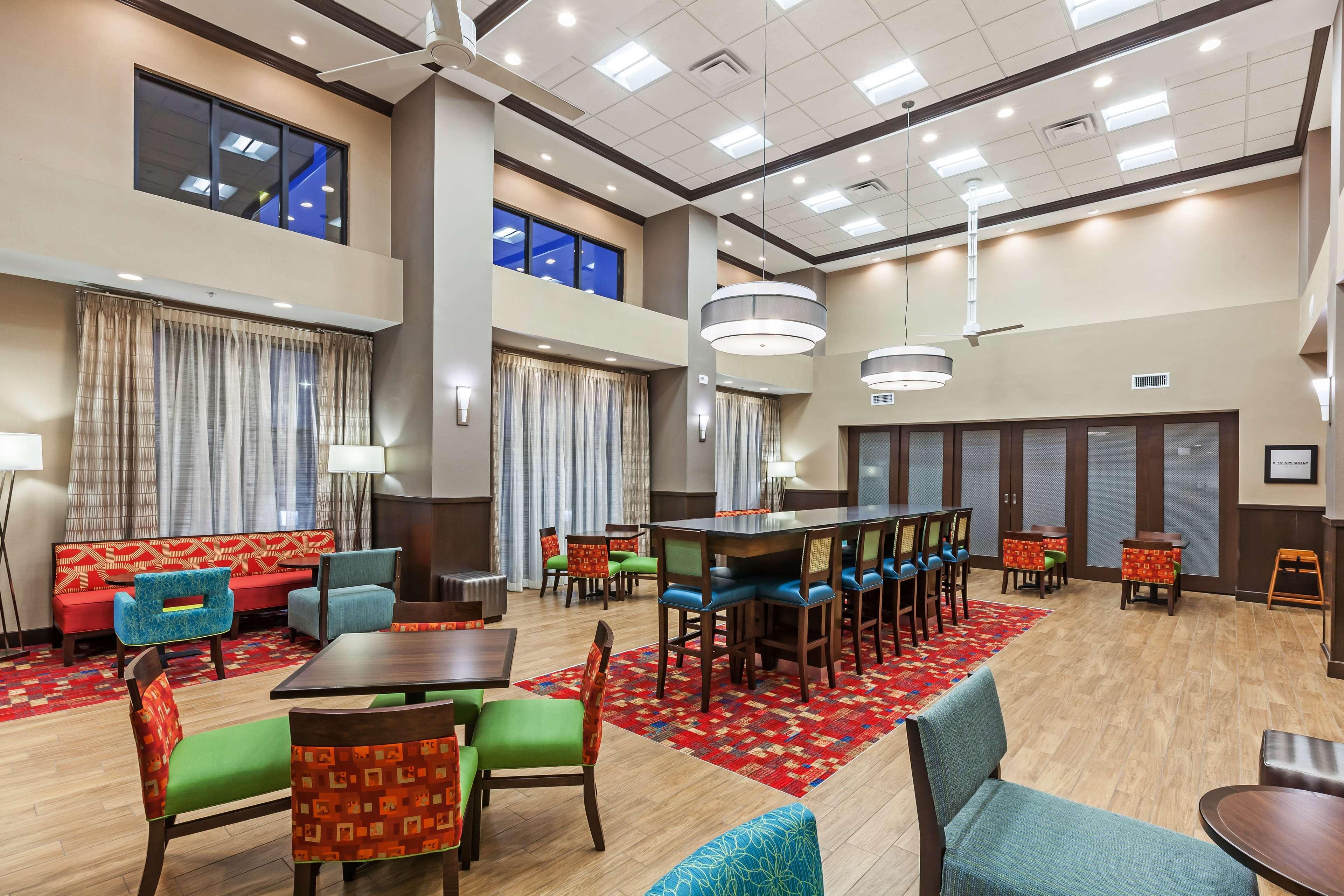 Hampton Inn & Suites Claremore image 6